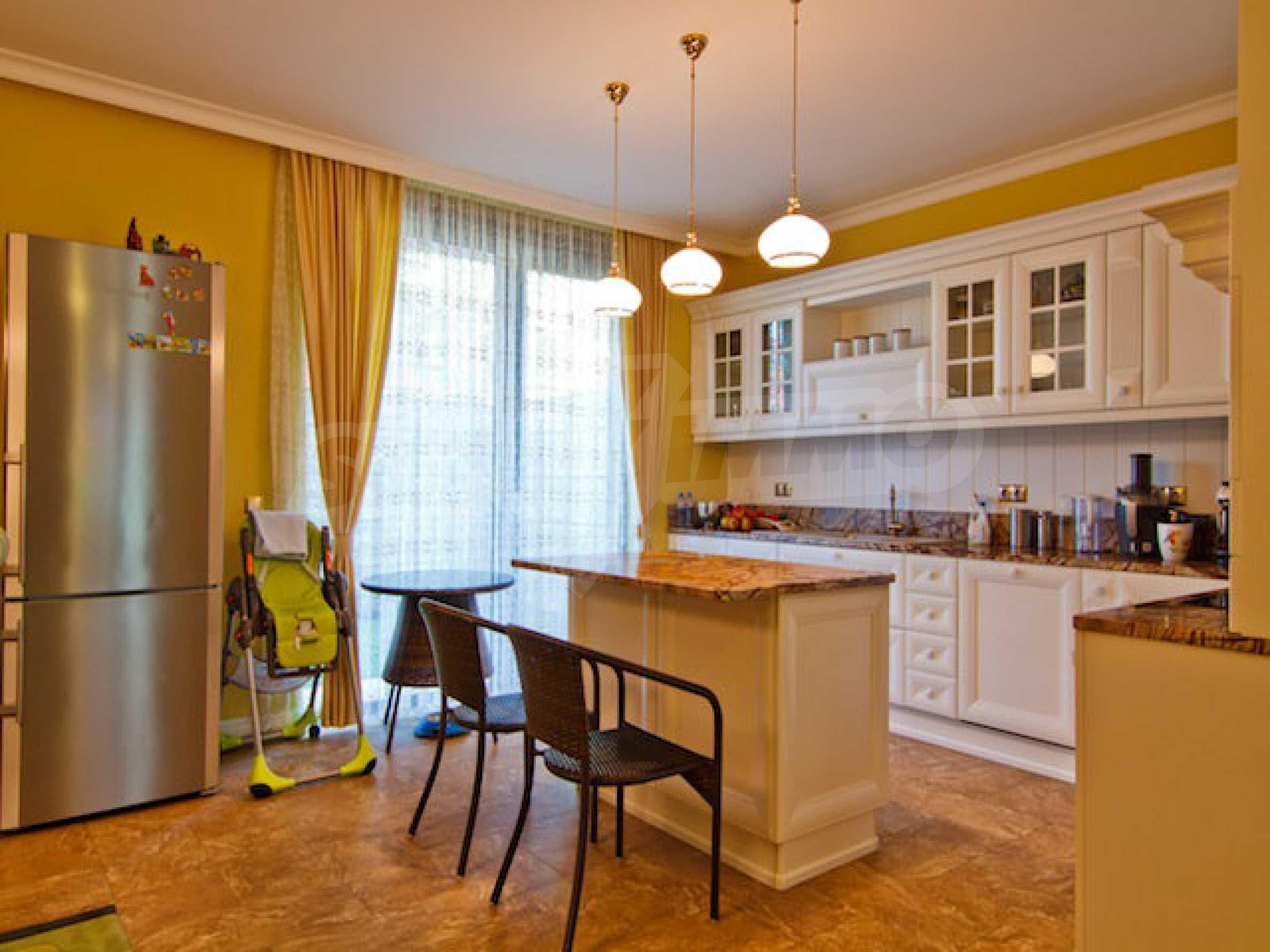 Luxuriös eingerichtetes Apartment mit einem Schlafzimmer 10