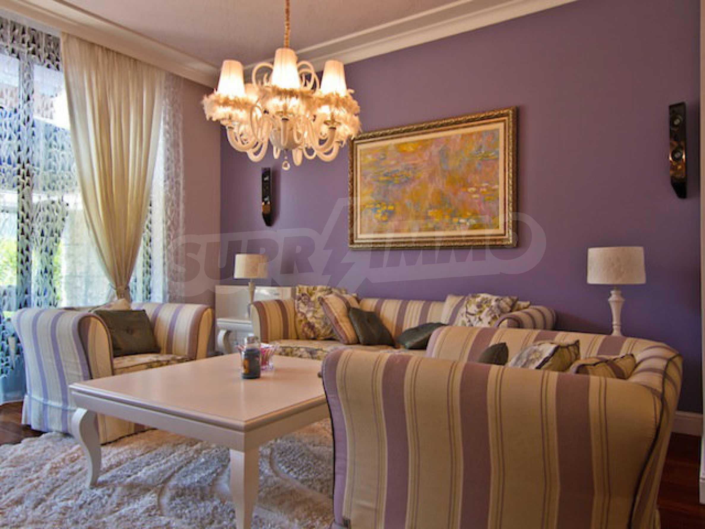 Luxuriös eingerichtetes Apartment mit einem Schlafzimmer 1