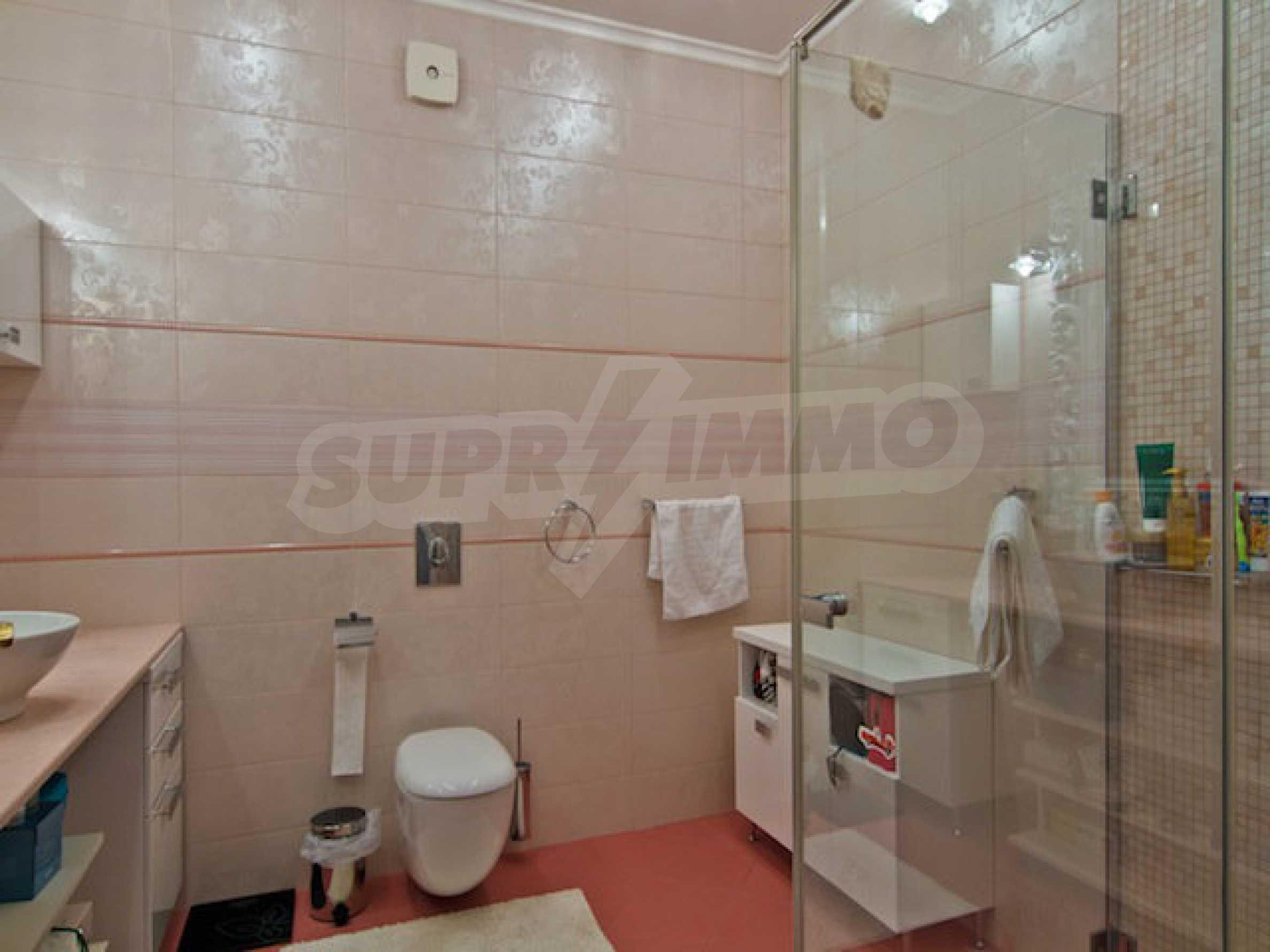Luxuriös eingerichtetes Apartment mit einem Schlafzimmer 23