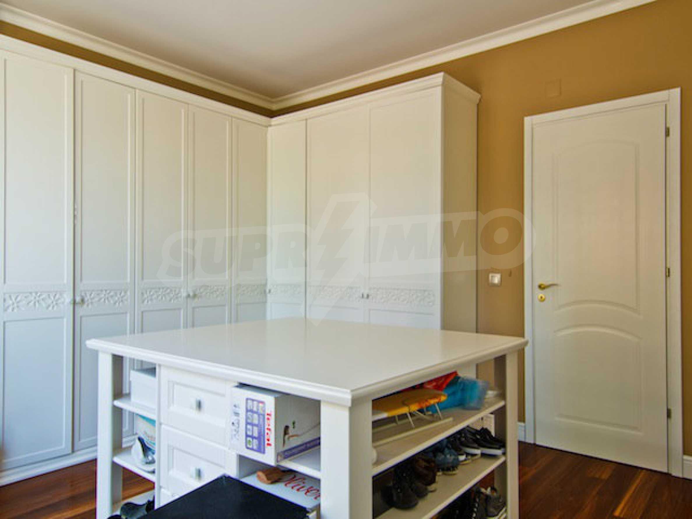 Luxuriös eingerichtetes Apartment mit einem Schlafzimmer 27