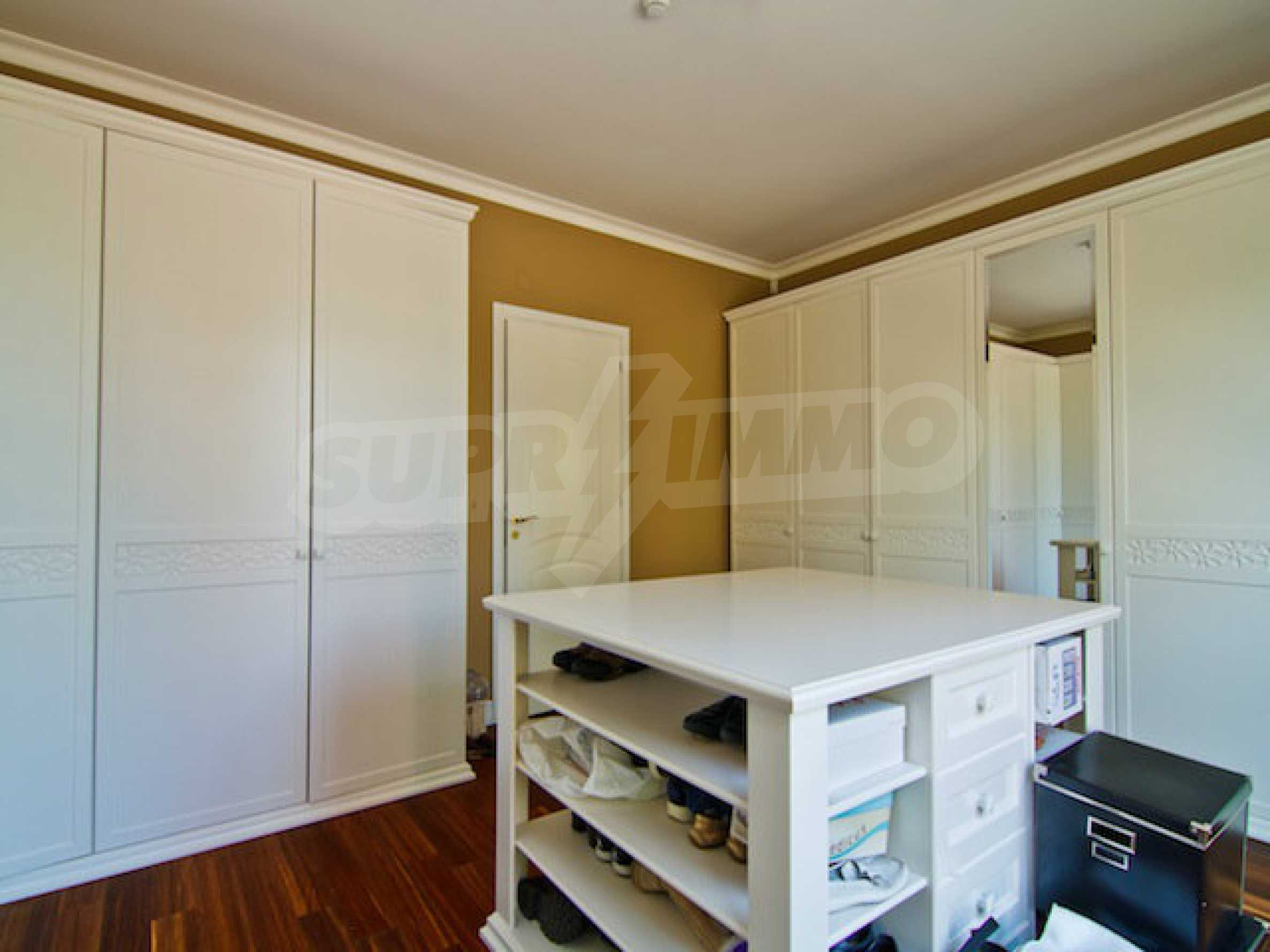 Luxuriös eingerichtetes Apartment mit einem Schlafzimmer 28