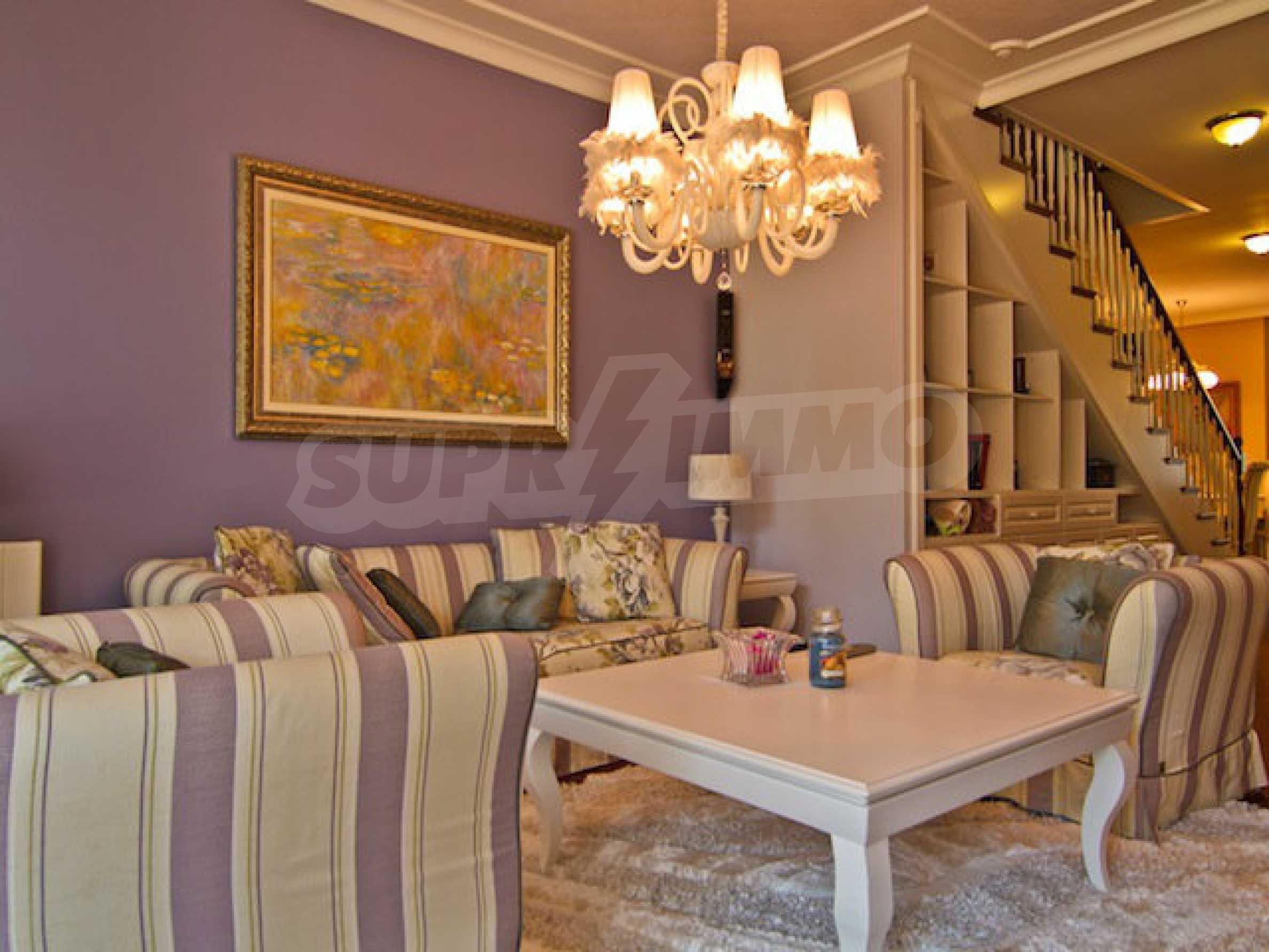 Luxuriös eingerichtetes Apartment mit einem Schlafzimmer 4