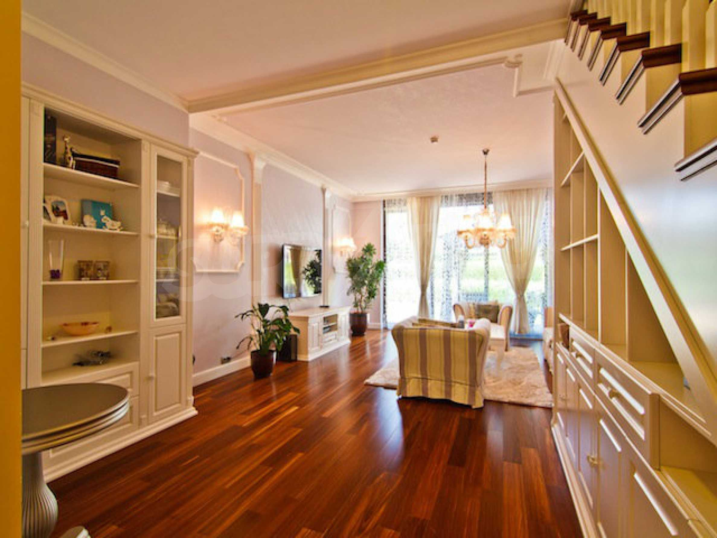 Luxuriös eingerichtetes Apartment mit einem Schlafzimmer 5