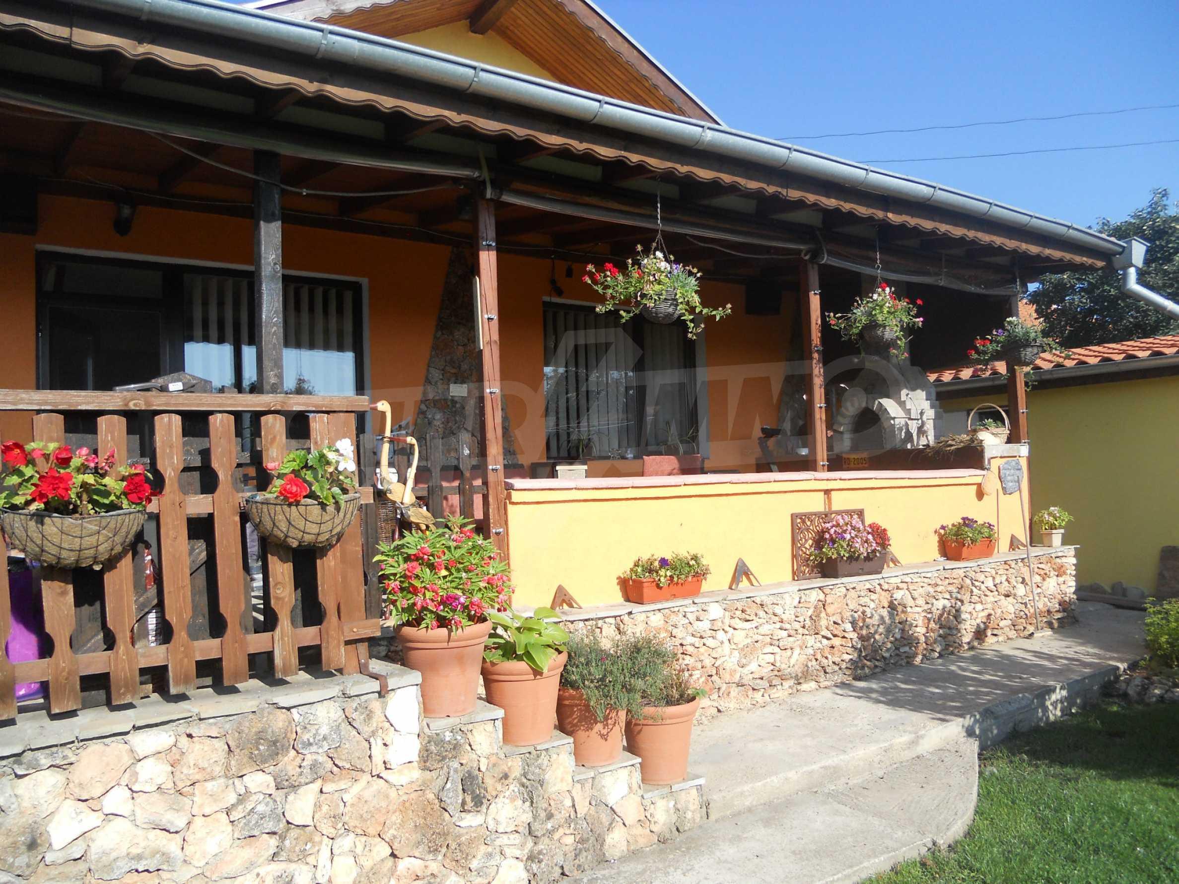Roberto House