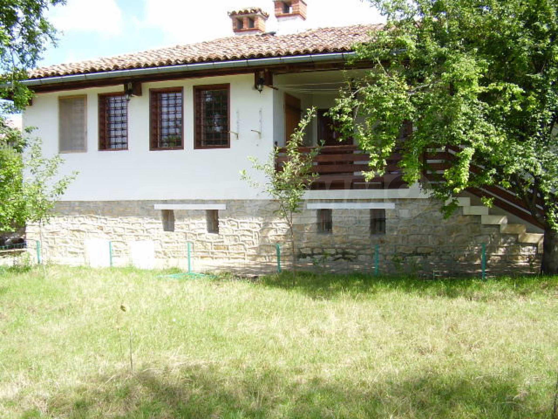 Реновирана къща само на 3 км от Велико Търново