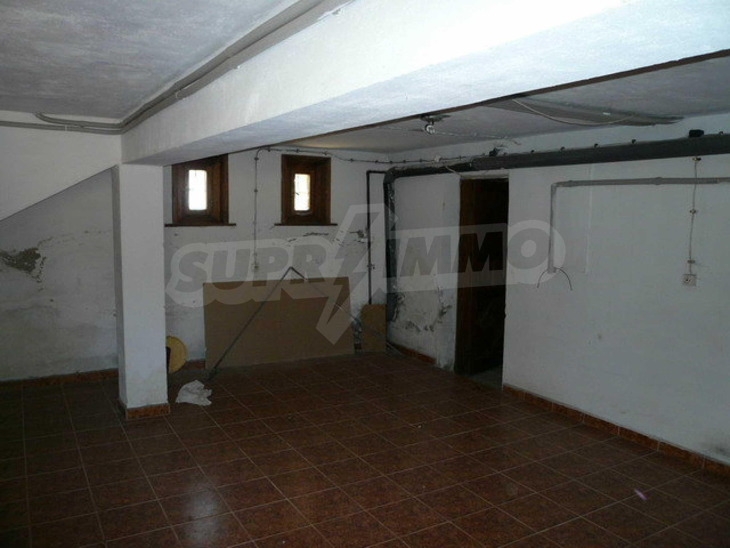 Реновирана къща само на 3 км от Велико Търново  11