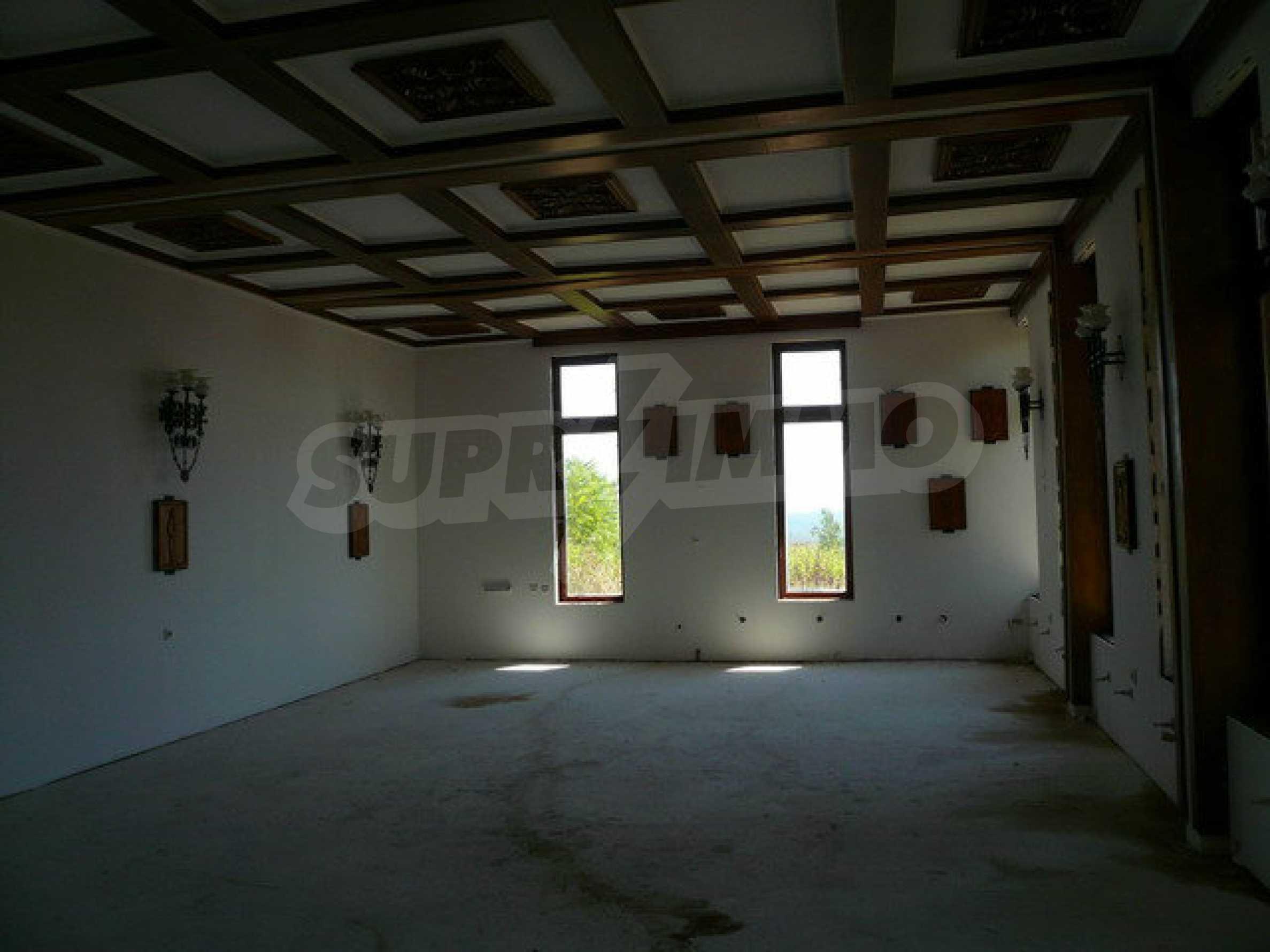 Реновирана къща само на 3 км от Велико Търново  21