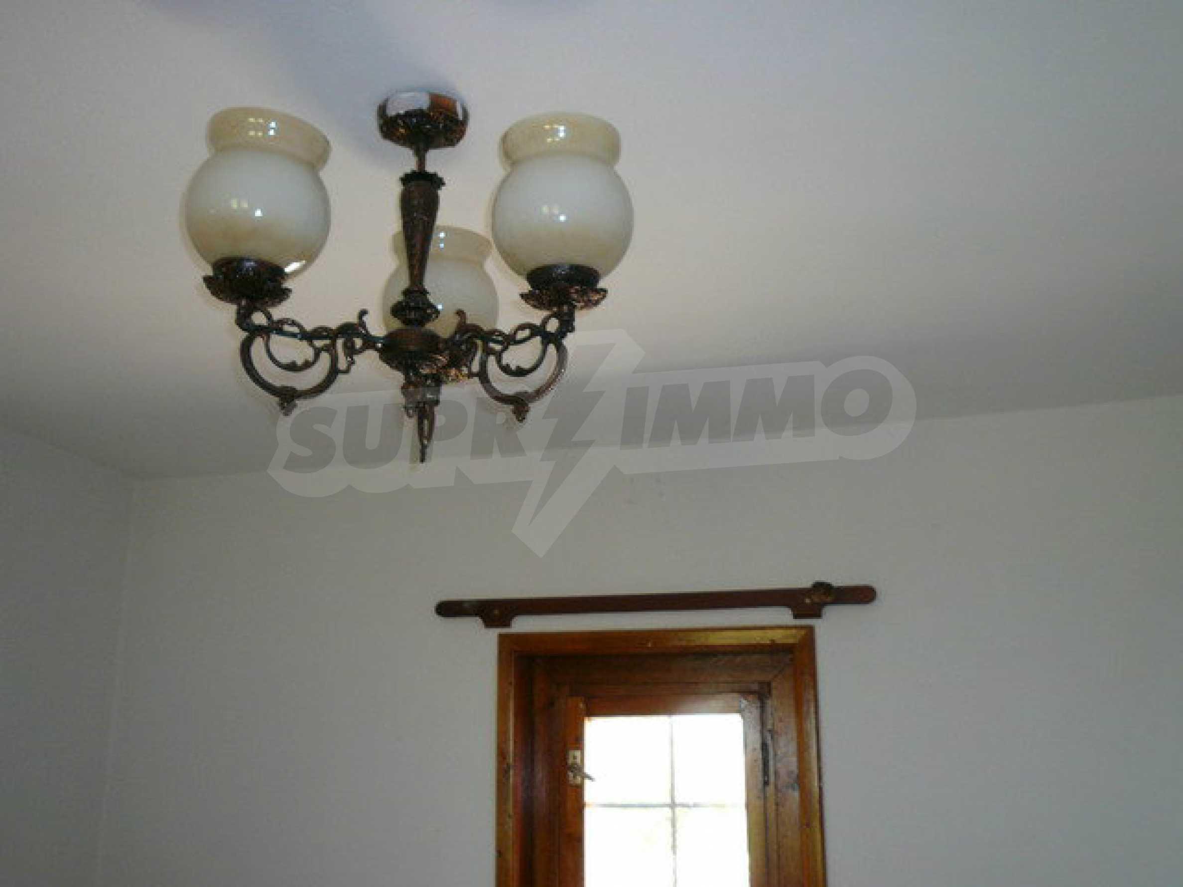 Реновирана къща само на 3 км от Велико Търново  37