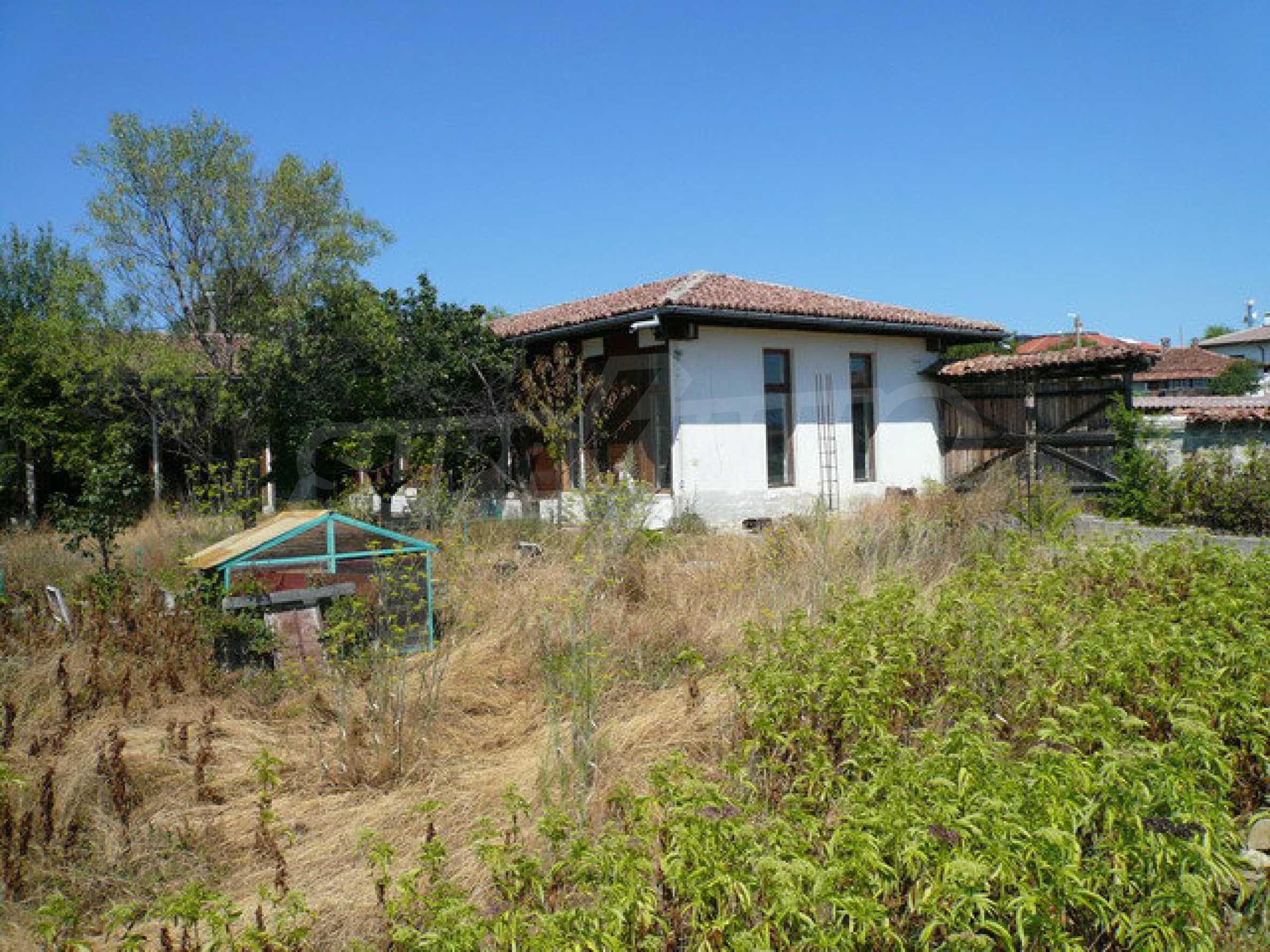Реновирана къща само на 3 км от Велико Търново  47