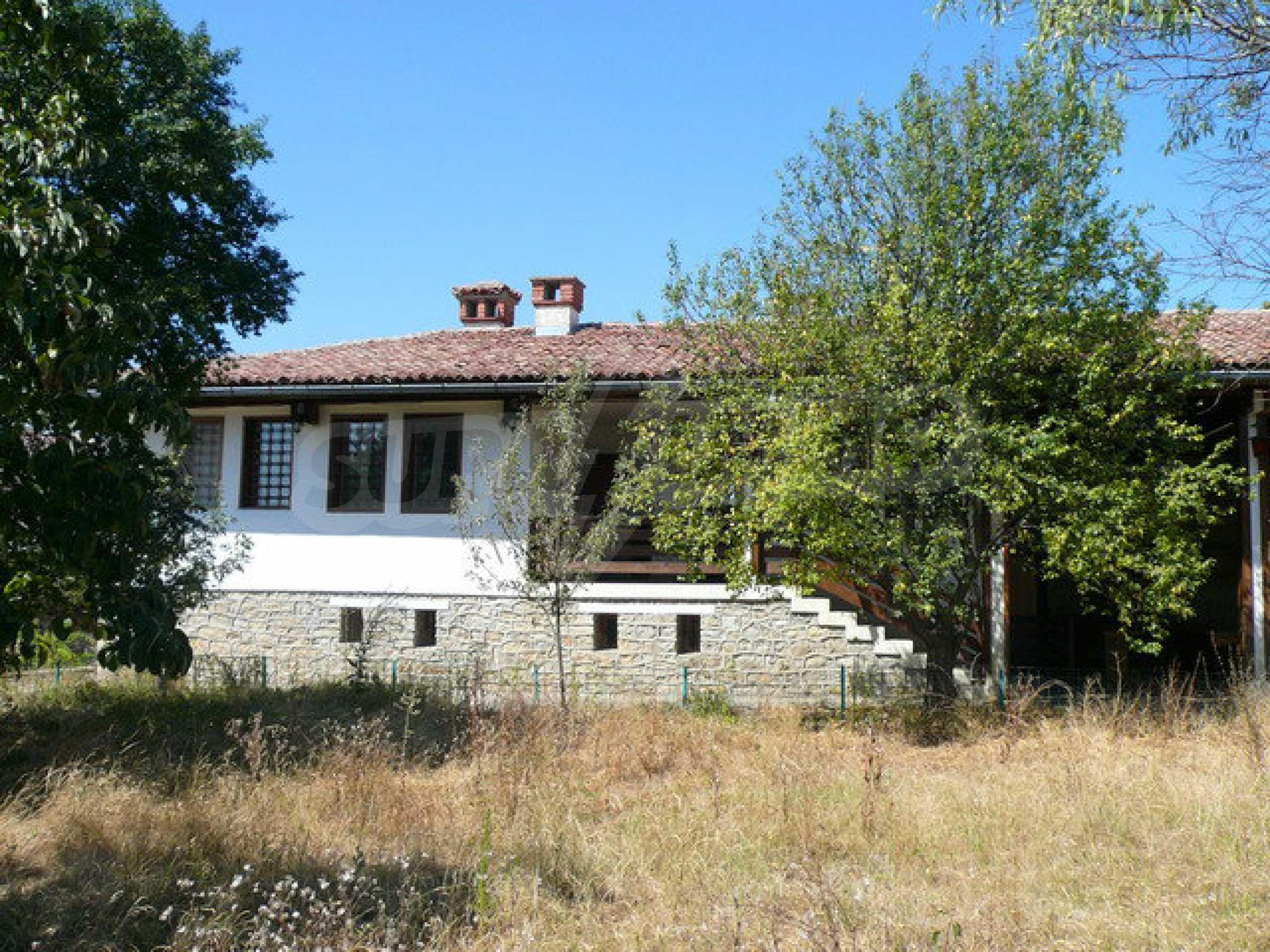 Реновирана къща само на 3 км от Велико Търново  4