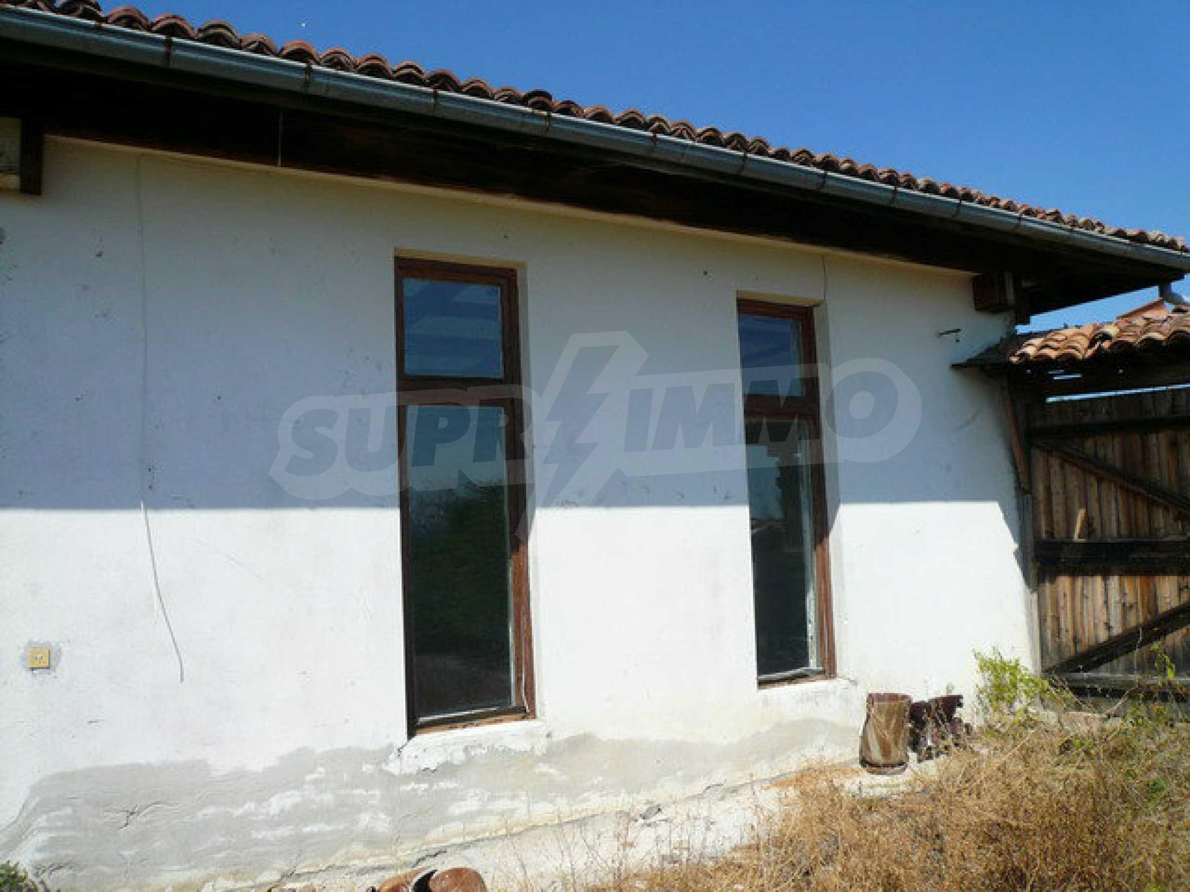 Реновирана къща само на 3 км от Велико Търново  49
