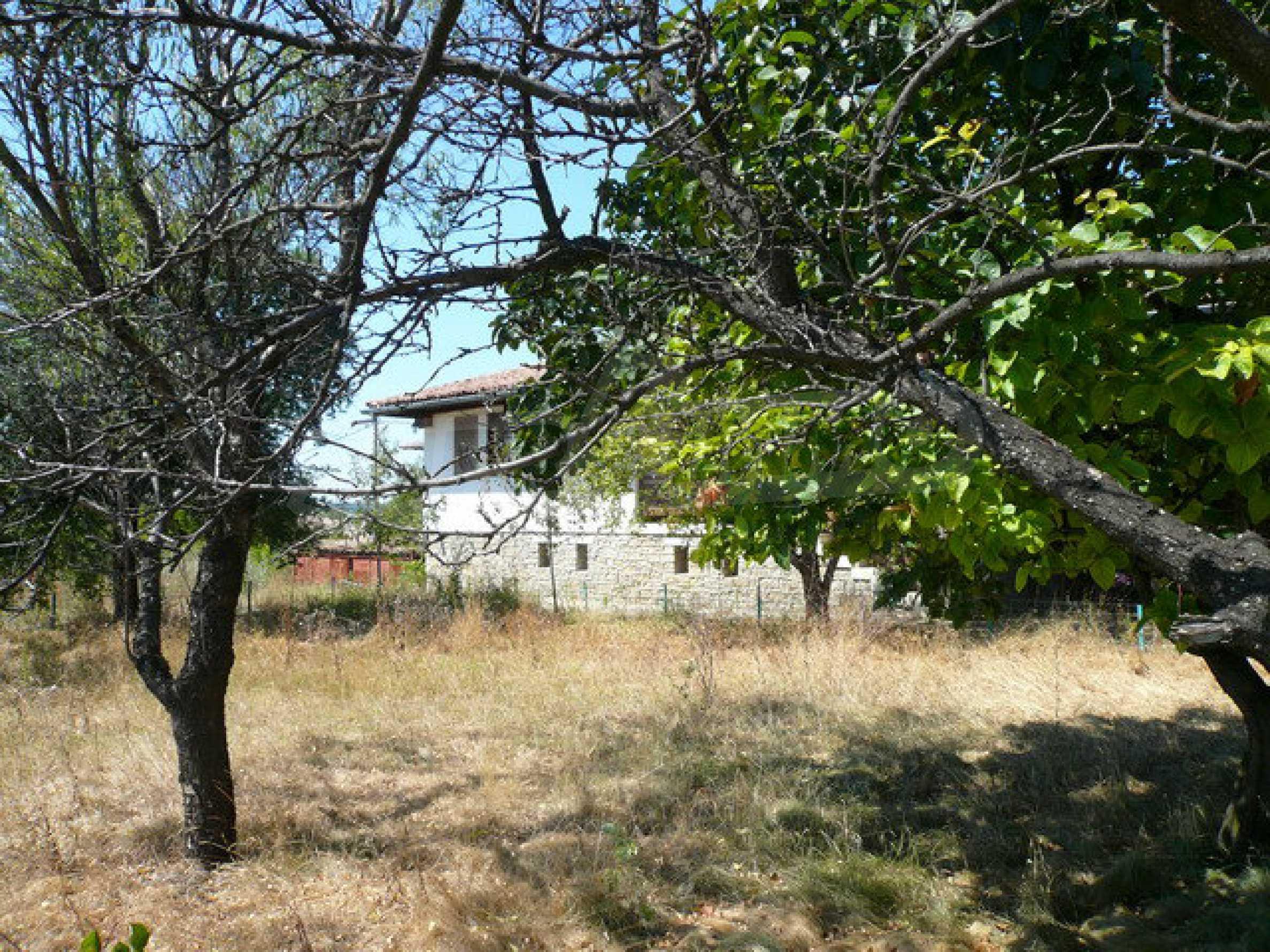 Реновирана къща само на 3 км от Велико Търново  50