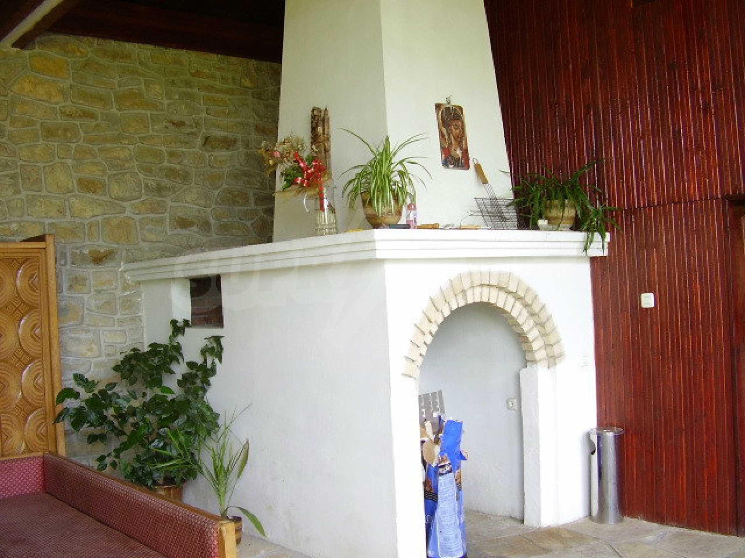 Реновирана къща само на 3 км от Велико Търново  8
