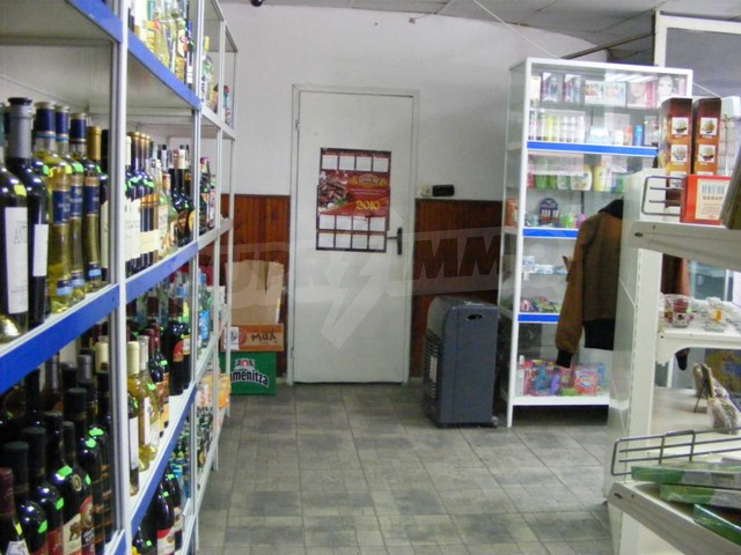 Функциониращ магазин в Балчик 9