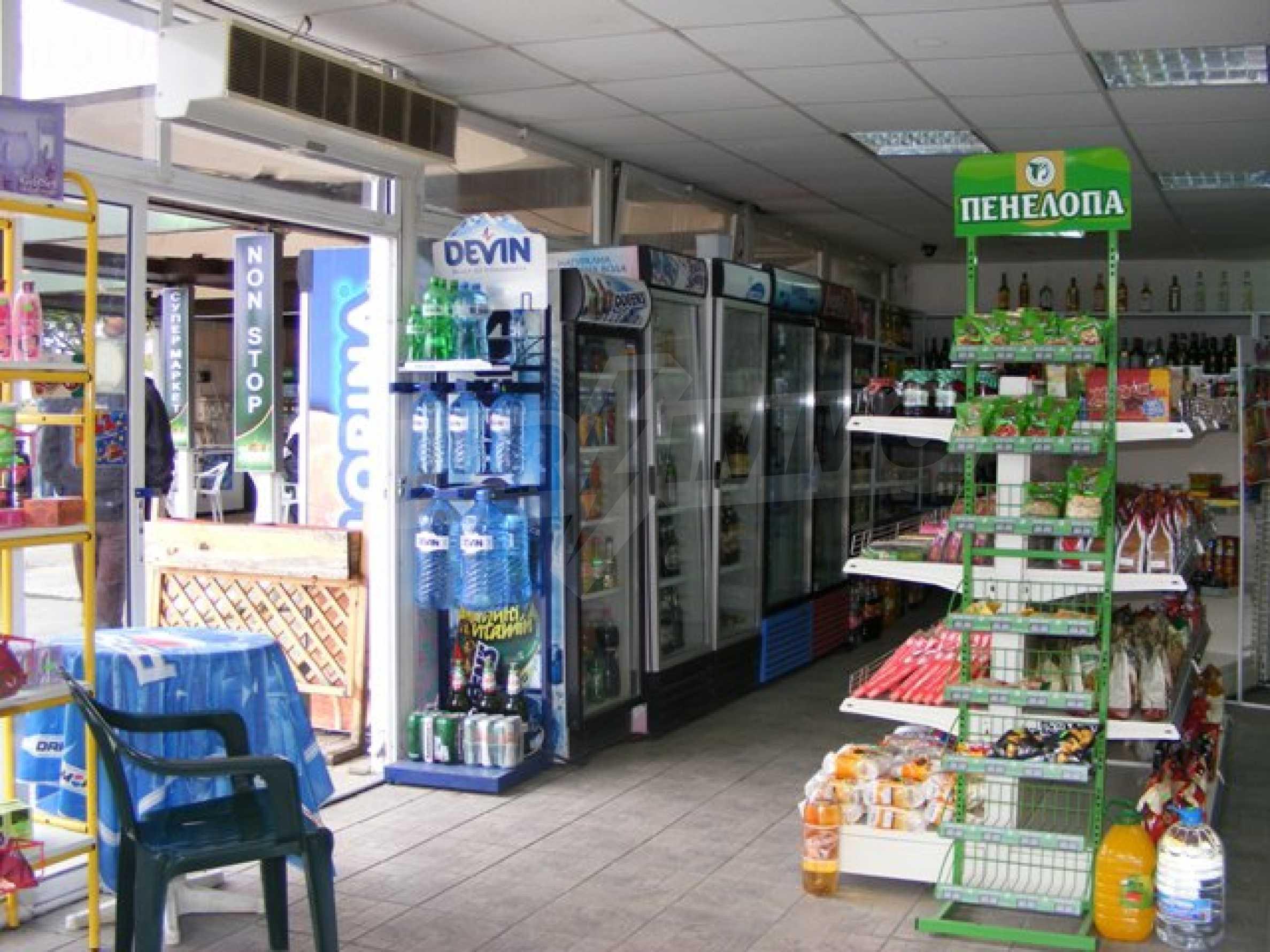 Функциониращ магазин в Балчик 5