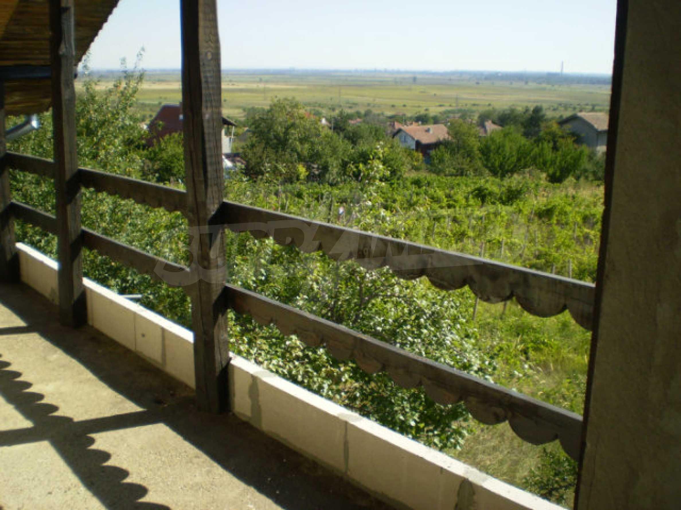 Zweistöckige neue Villa mit herrlichem Blick in der Nähe von Vidin 12