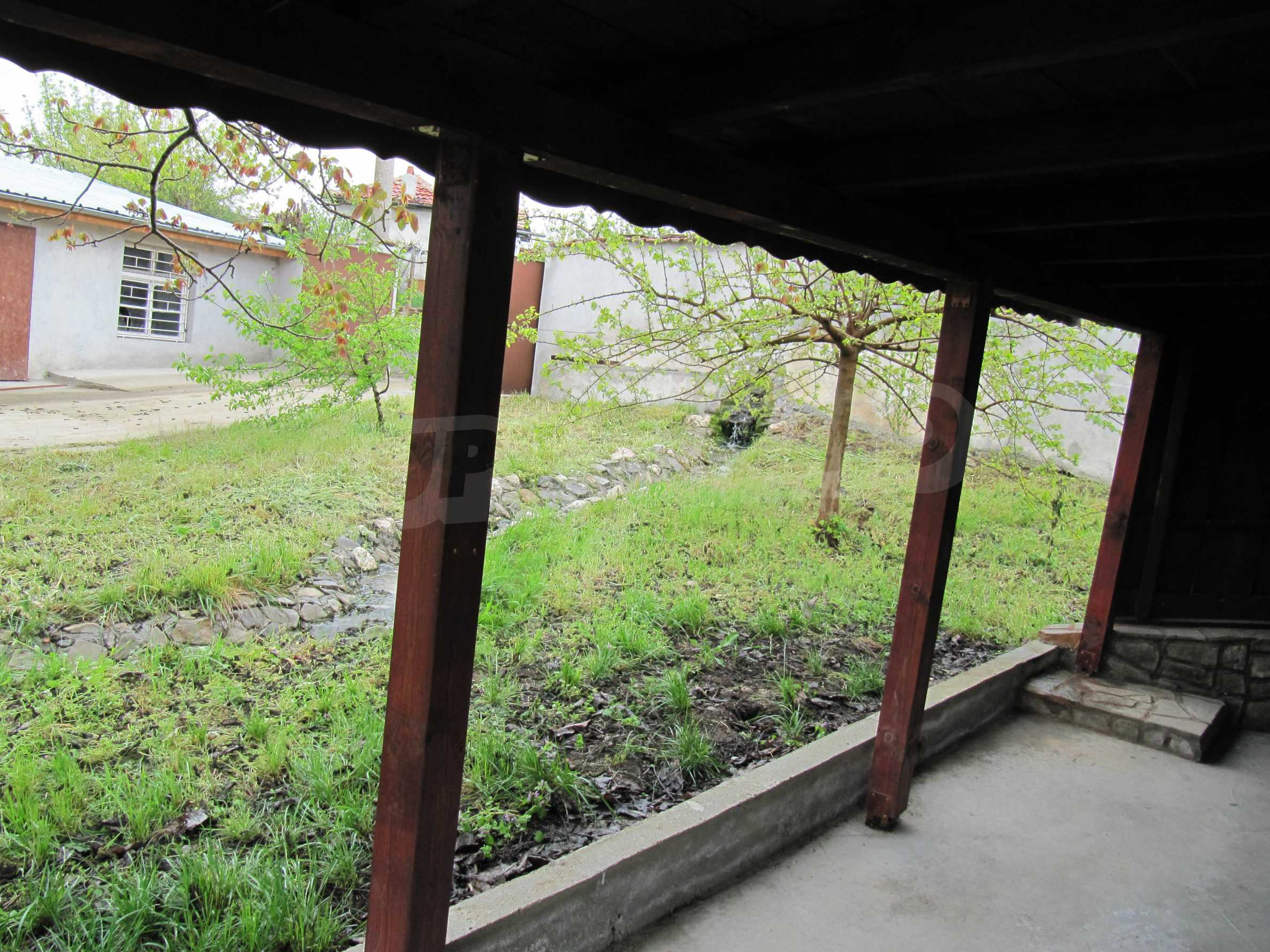 Ausgezeichnetes ländliches Anwesen mit herrlichem Blick auf die Rhodopen bei Kardschali 34