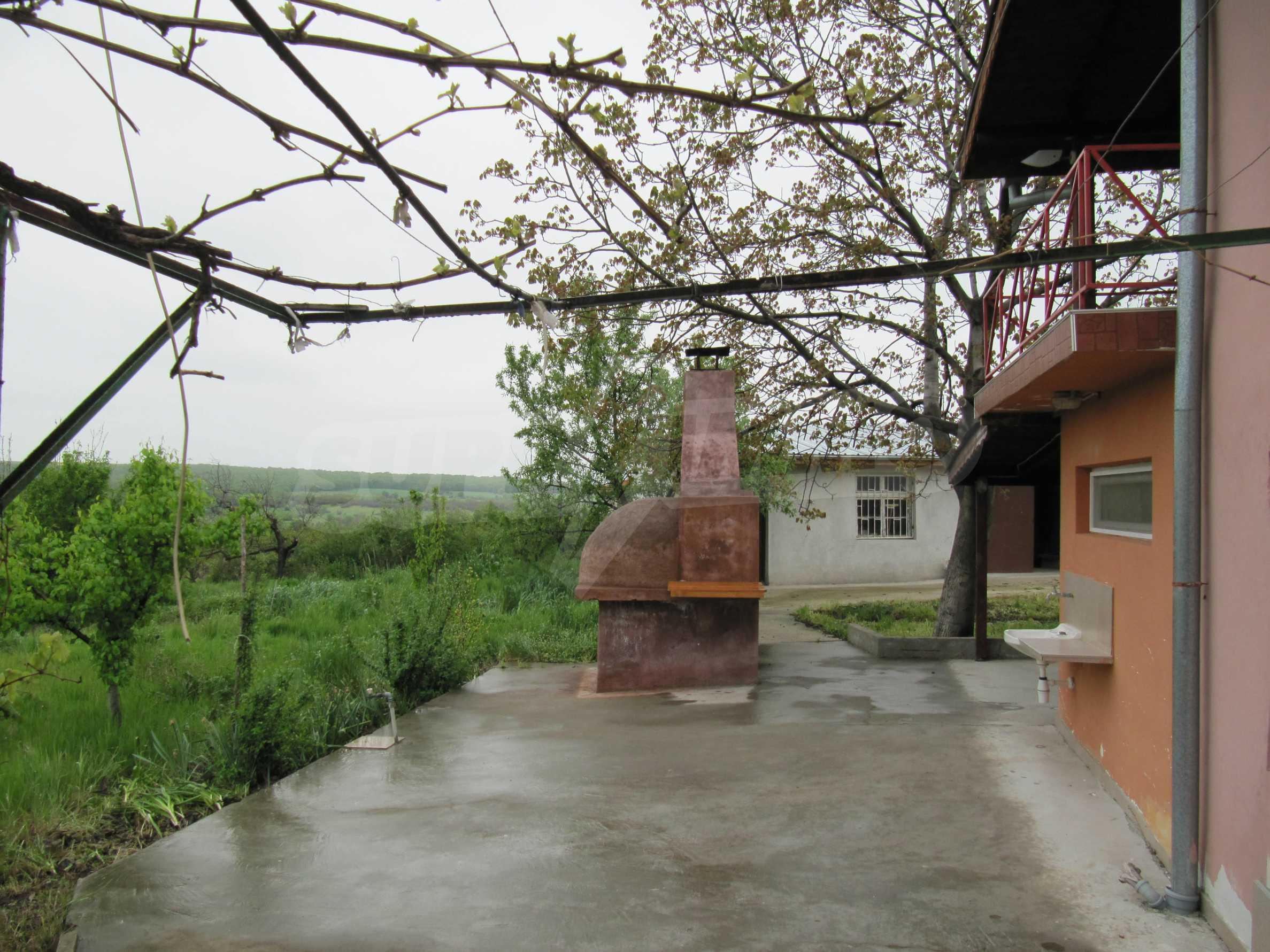 Ausgezeichnetes ländliches Anwesen mit herrlichem Blick auf die Rhodopen bei Kardschali 39