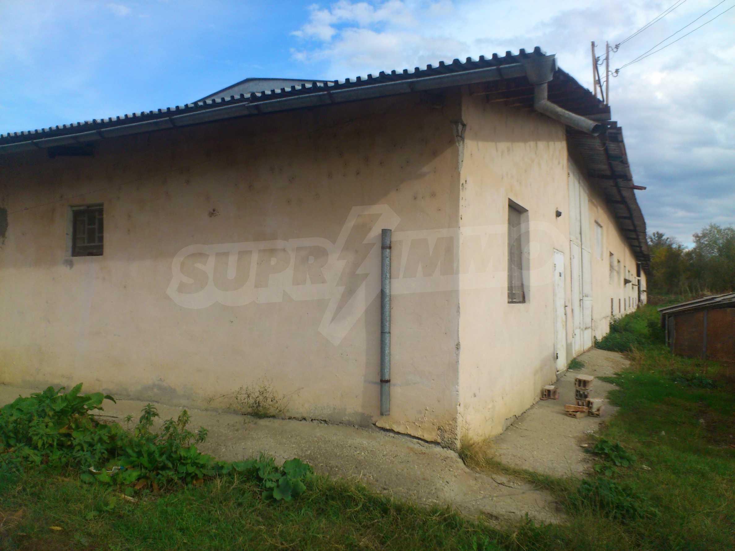 Neues Bauernhaus in einem Dorf in der Nähe von Veliko Tarnovo