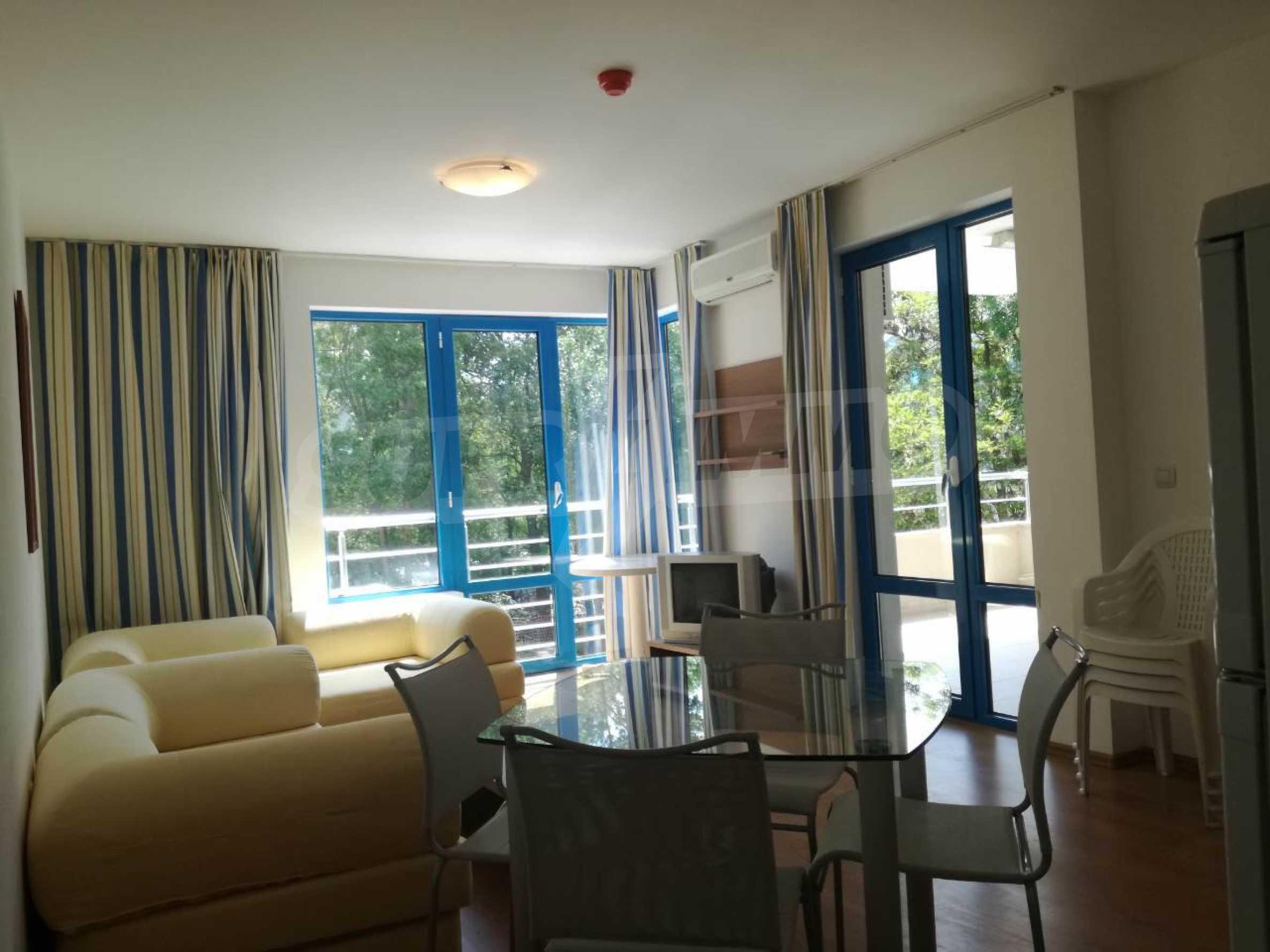 Страхотен тристаен апартамент в Слънчев бряг 9