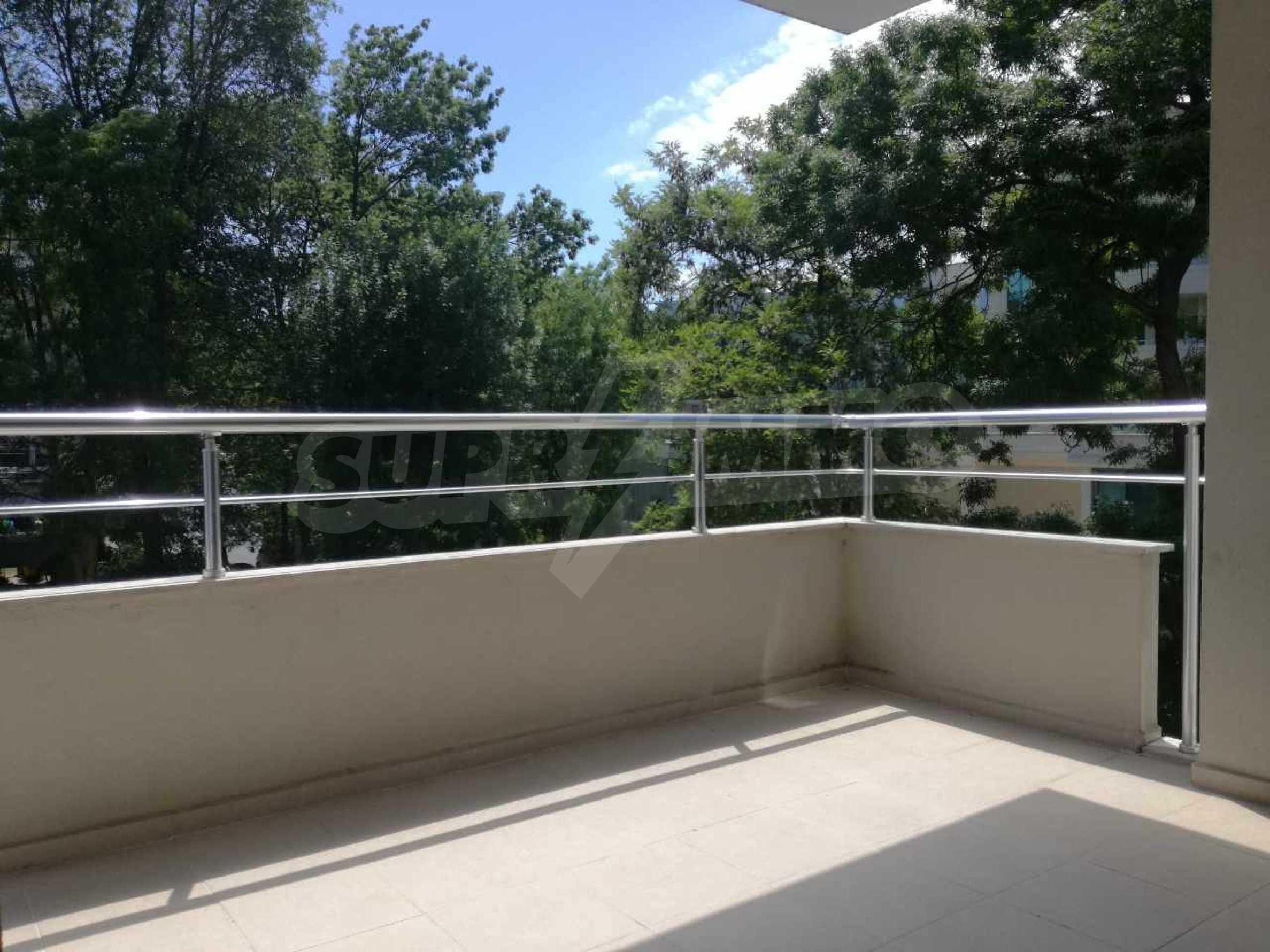 Страхотен тристаен апартамент в Слънчев бряг 8