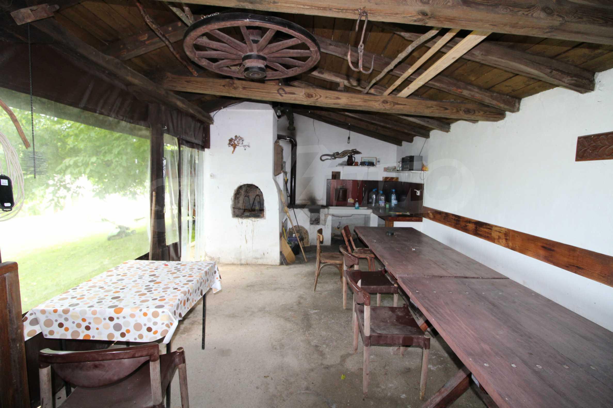 Уникално вилно селище с кръгли къщи на 50 км от Велико Търново  37
