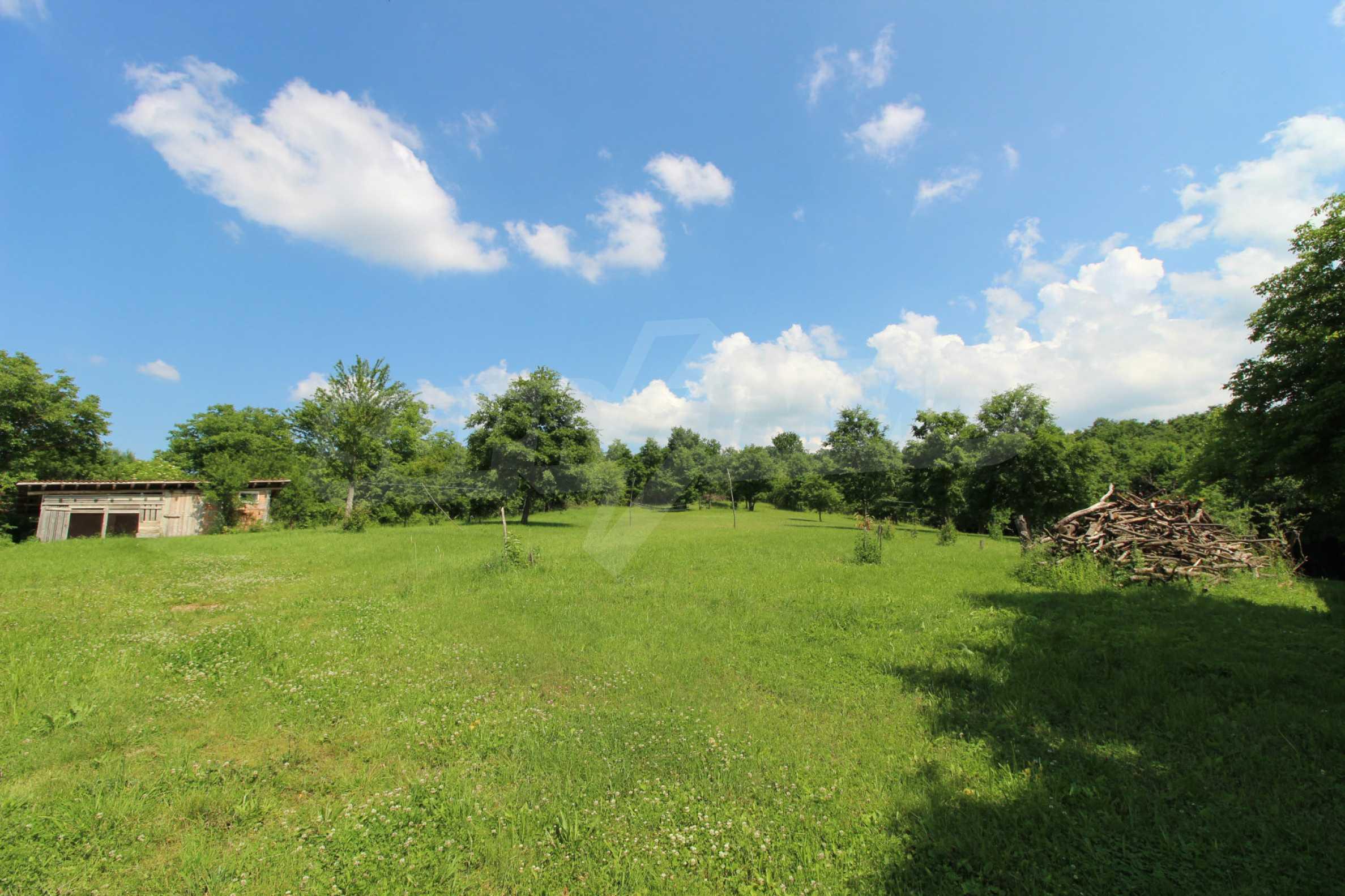 Уникално вилно селище с кръгли къщи на 50 км от Велико Търново  55