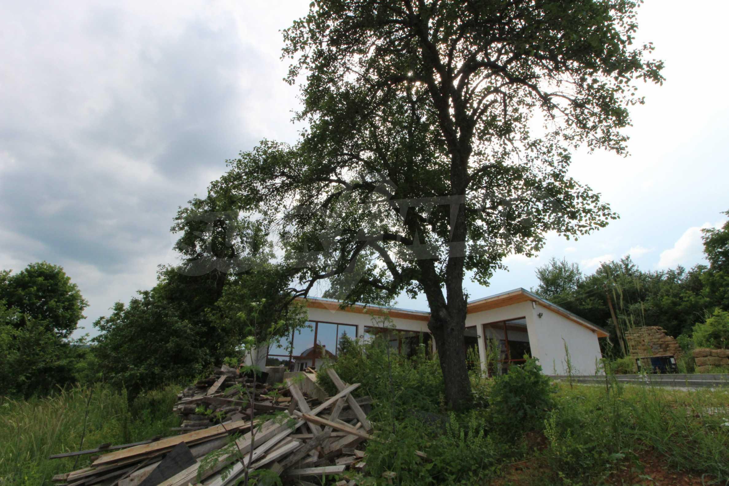 Уникално вилно селище с кръгли къщи на 50 км от Велико Търново  66