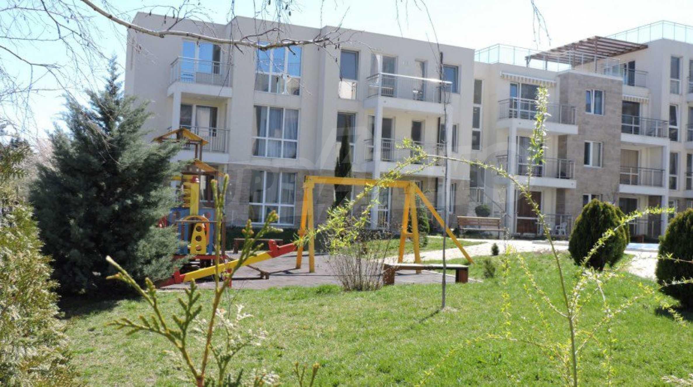 Тристаен апартамент близо до плажа в Бяла 14