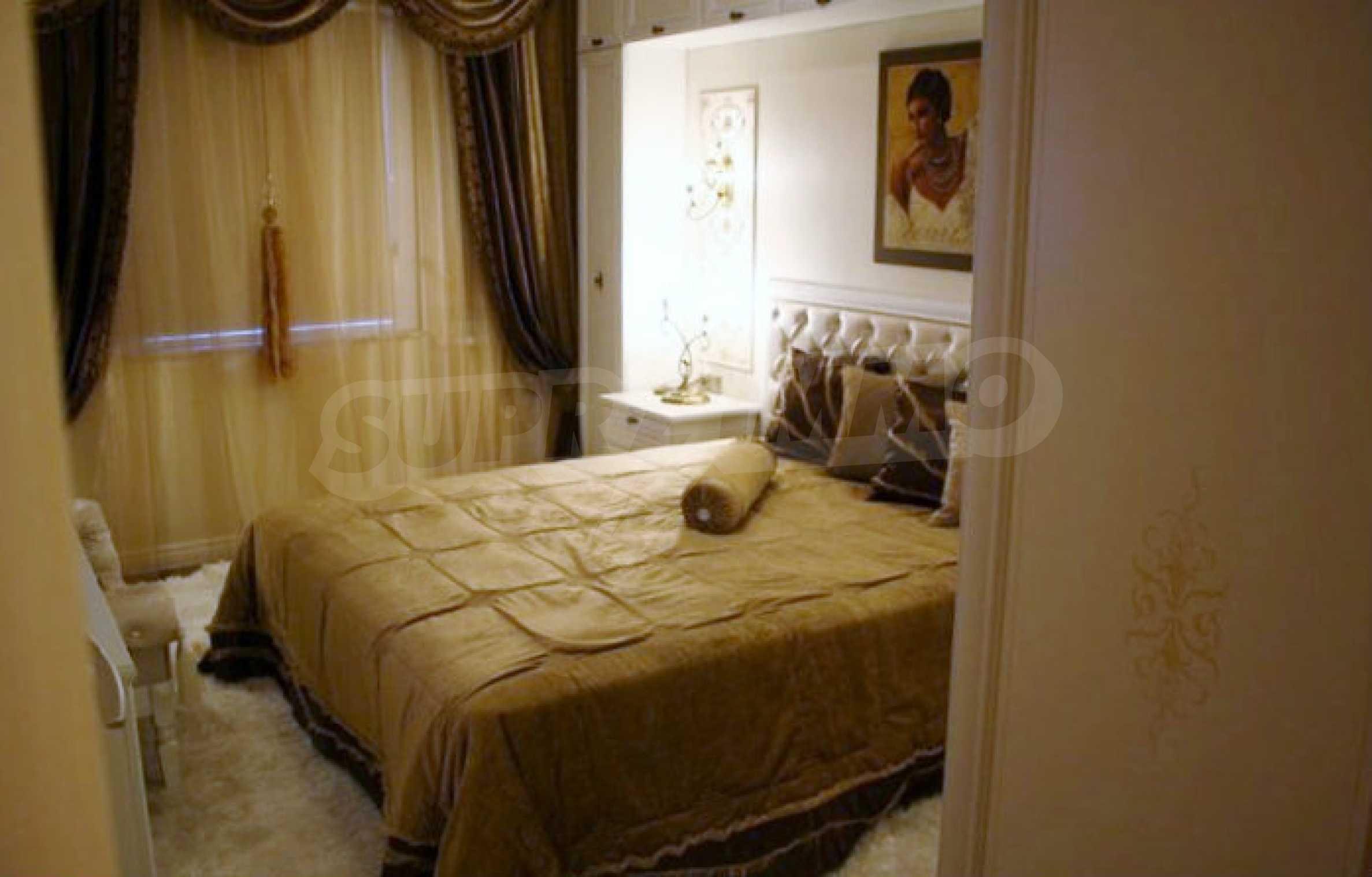 Versace Wohnung 14