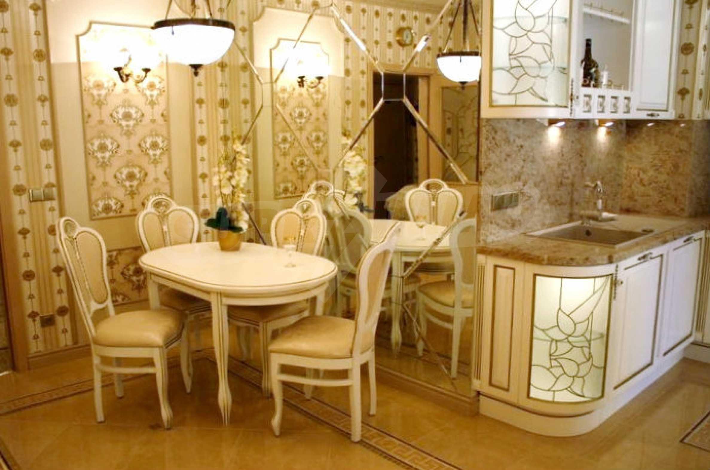 Versace Wohnung 36