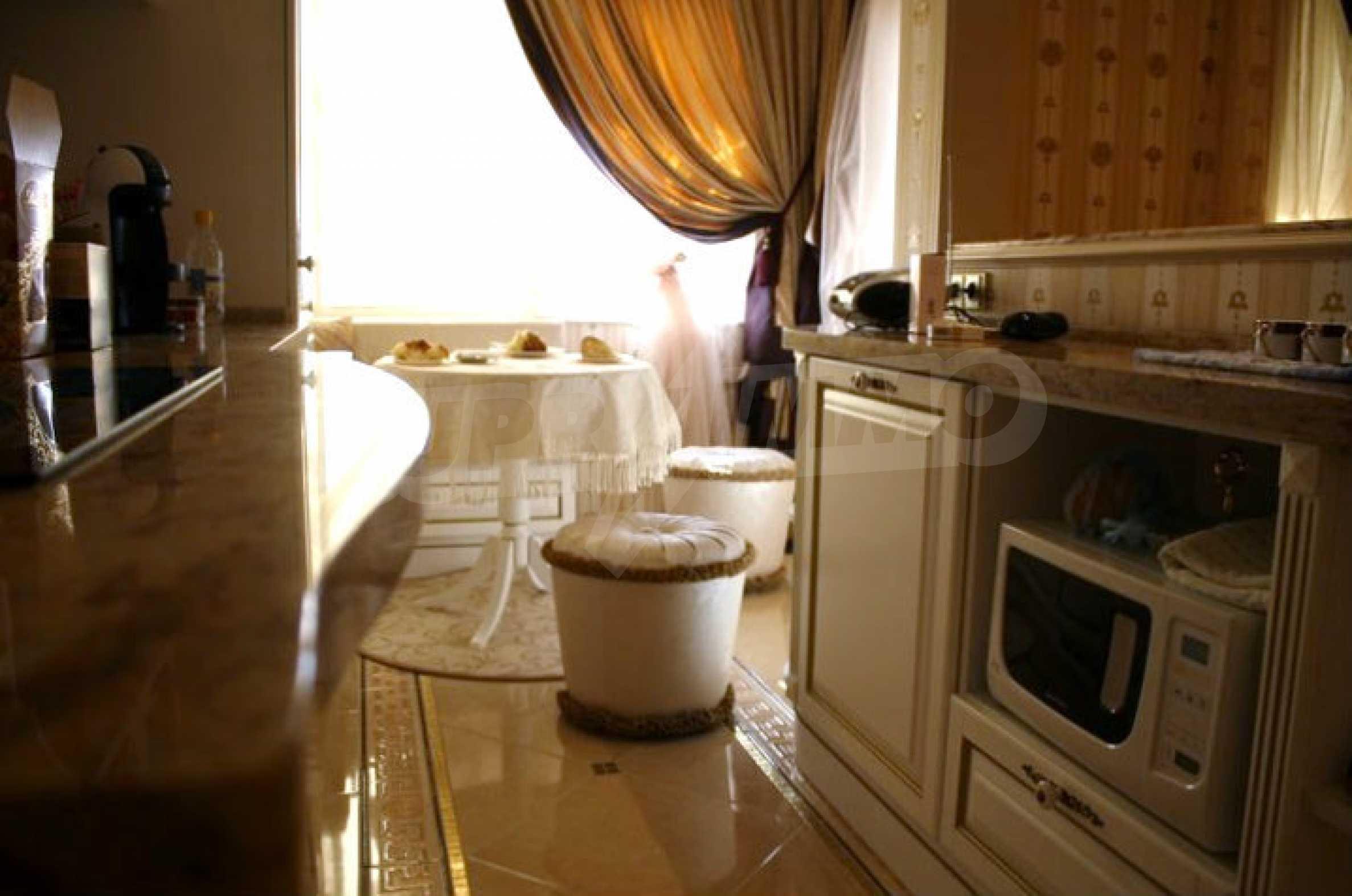 Versace Wohnung 37