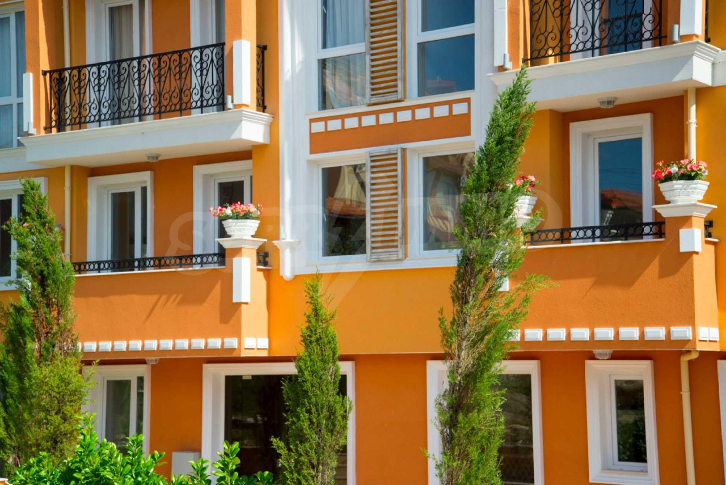Riviera Garden / Riviera Garden 3