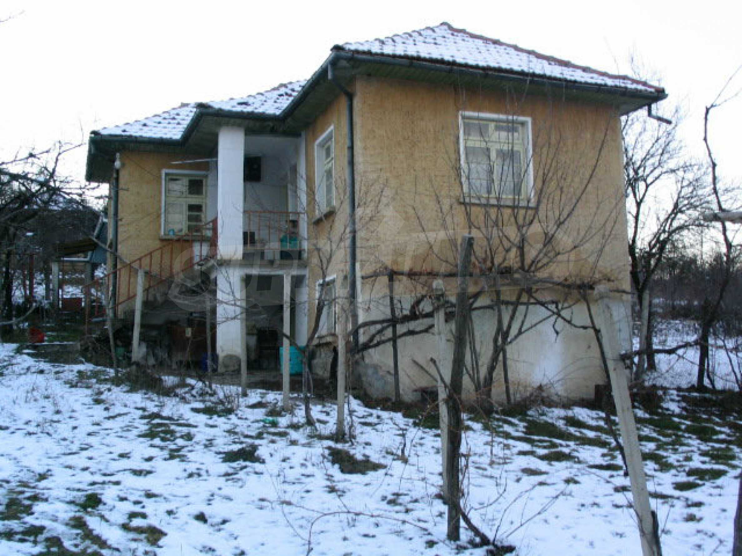 Nice house with a garage near a small river in the heart of the Mountains 6