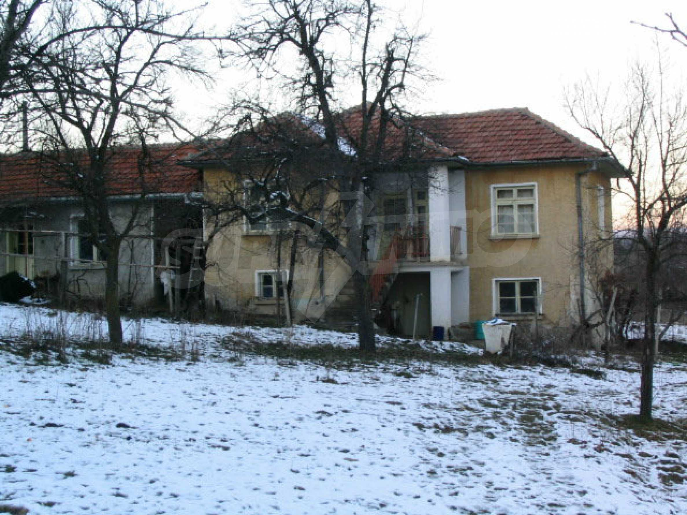 Nice house with a garage near a small river in the heart of the Mountains 7