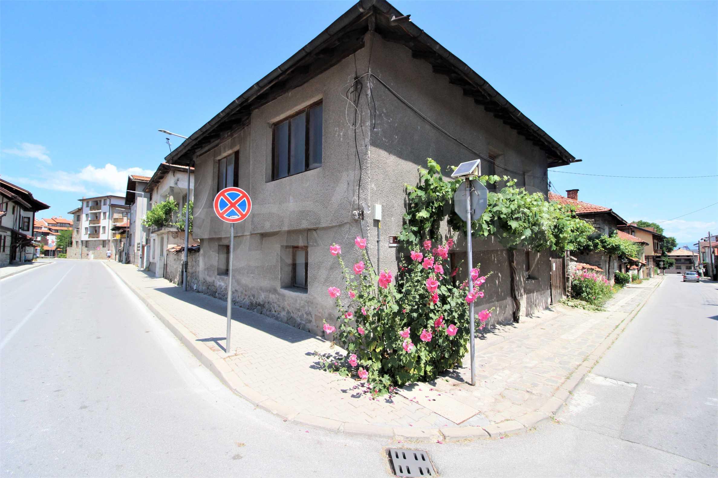 Двуетажна къща в центъра на ски курорта Банско 3