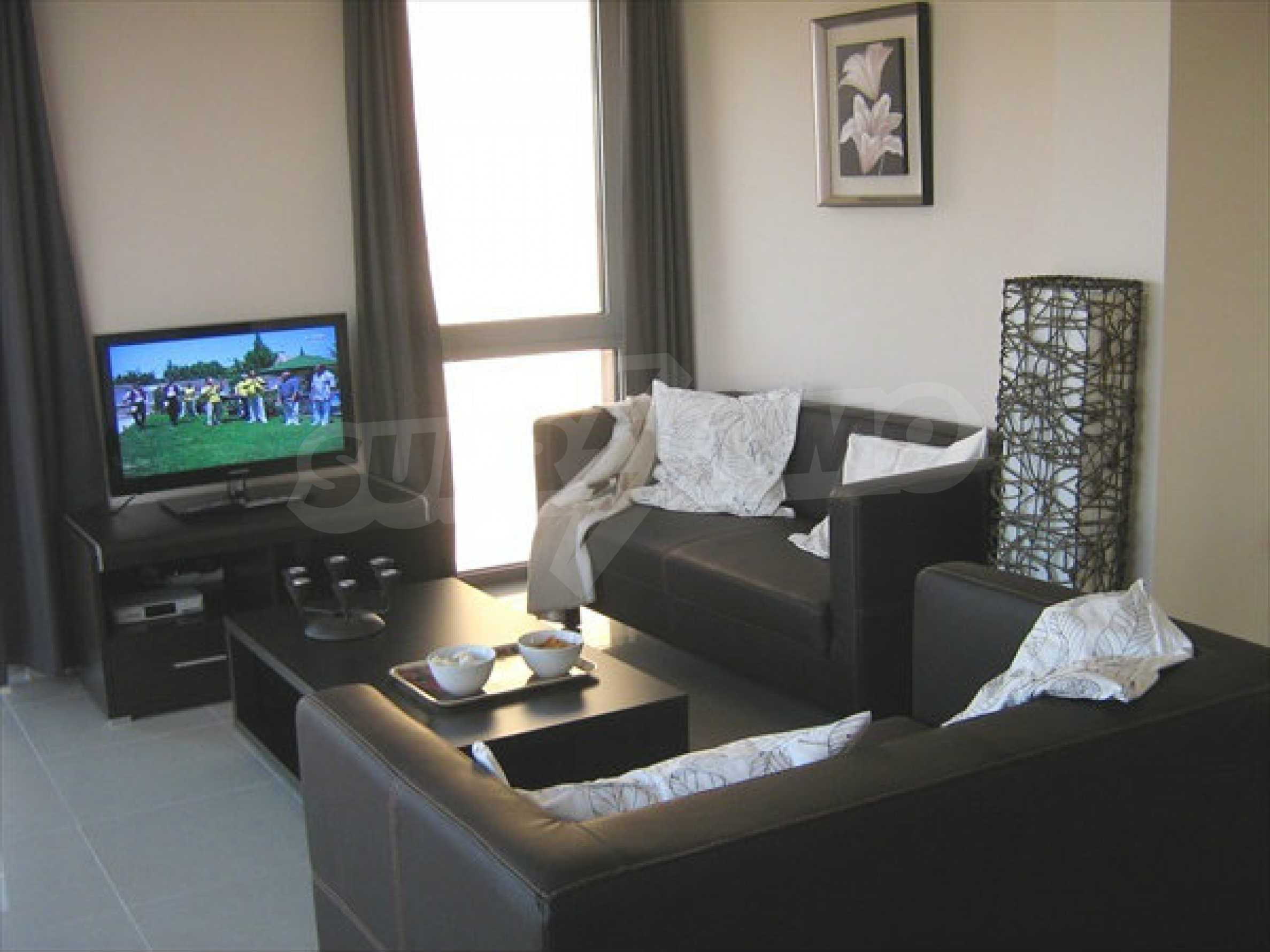 Luxusvilla mit Gemeinschaftspool zu verkaufen in Lozenets 9