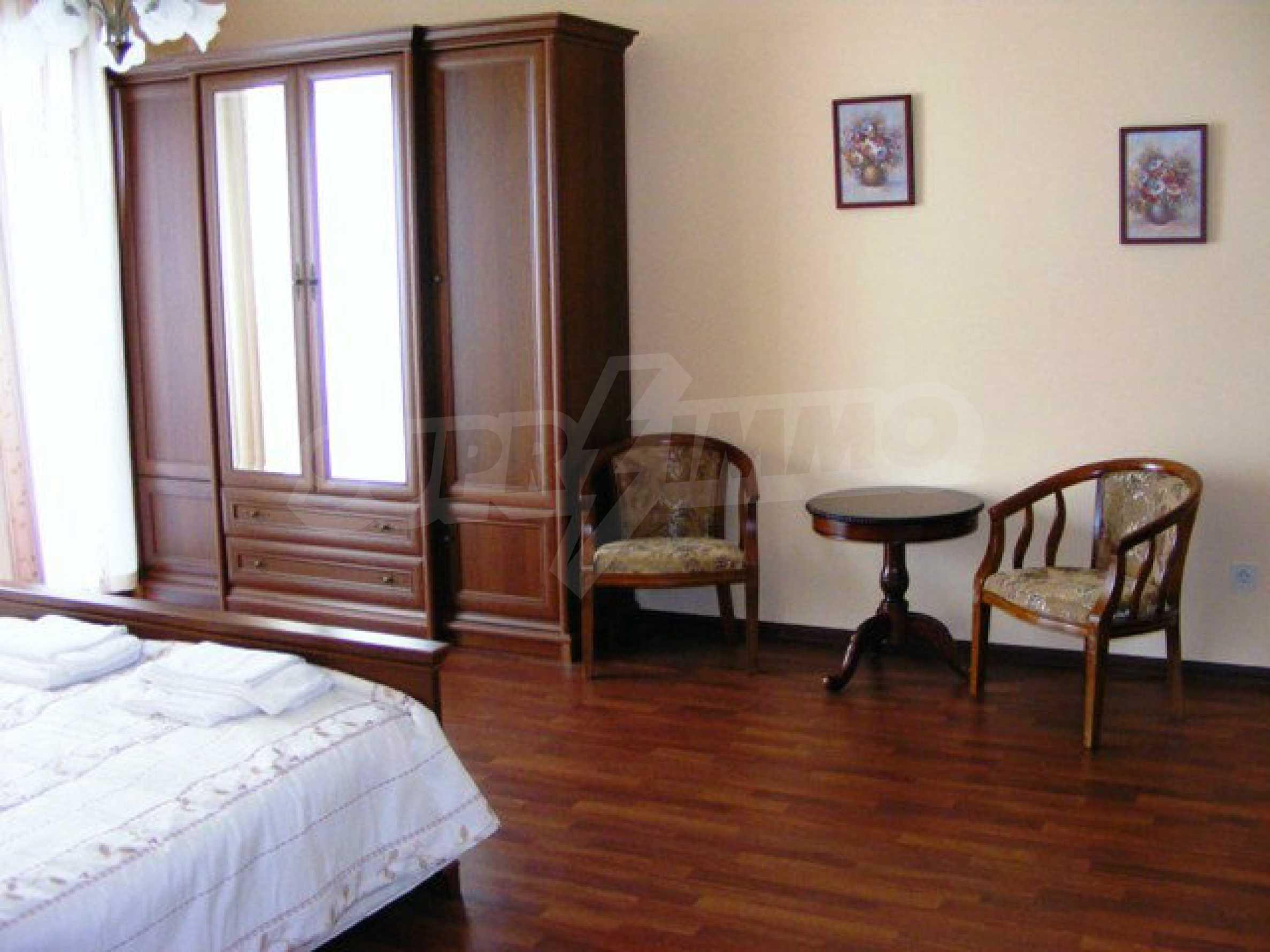 Apartments Port Palace  19