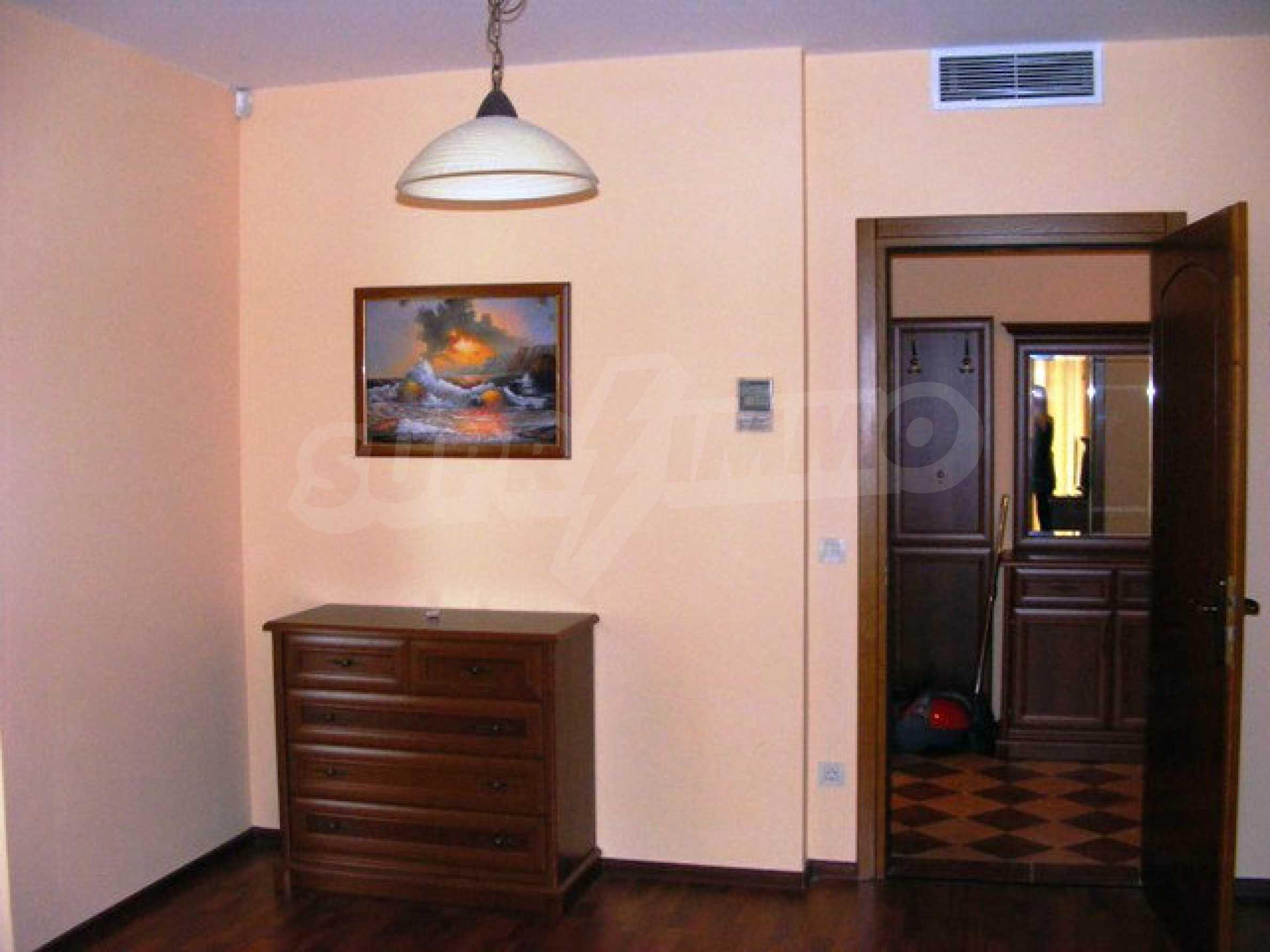 Apartments Port Palace  24