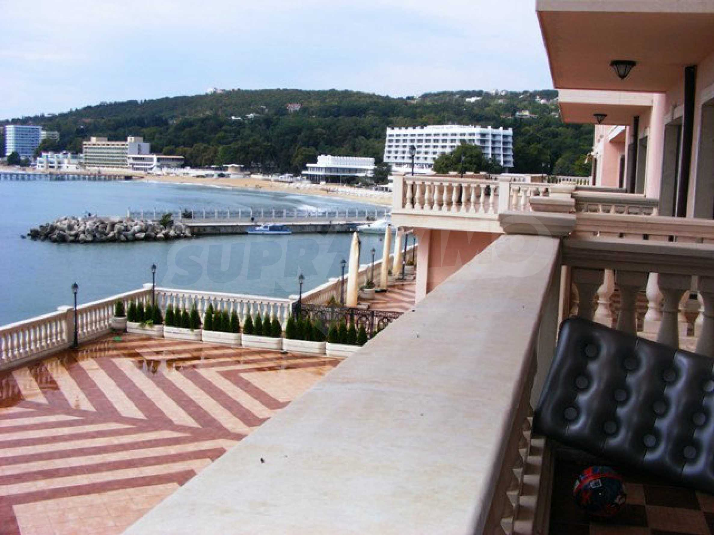 Apartments Port Palace  41