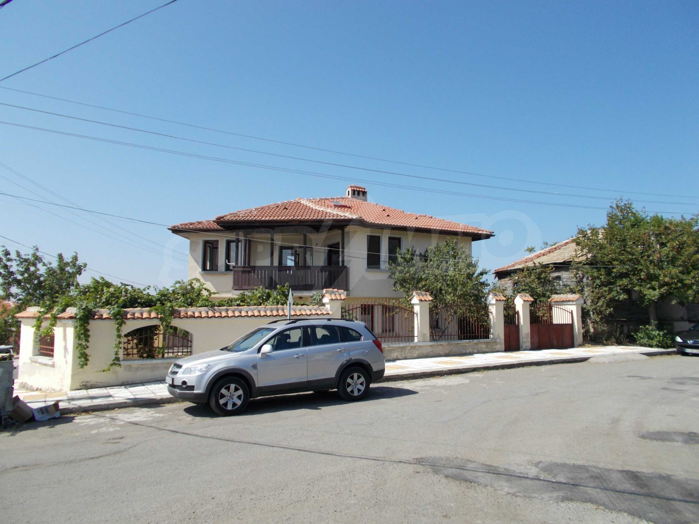 Two-storey house for sale near Burgas 3