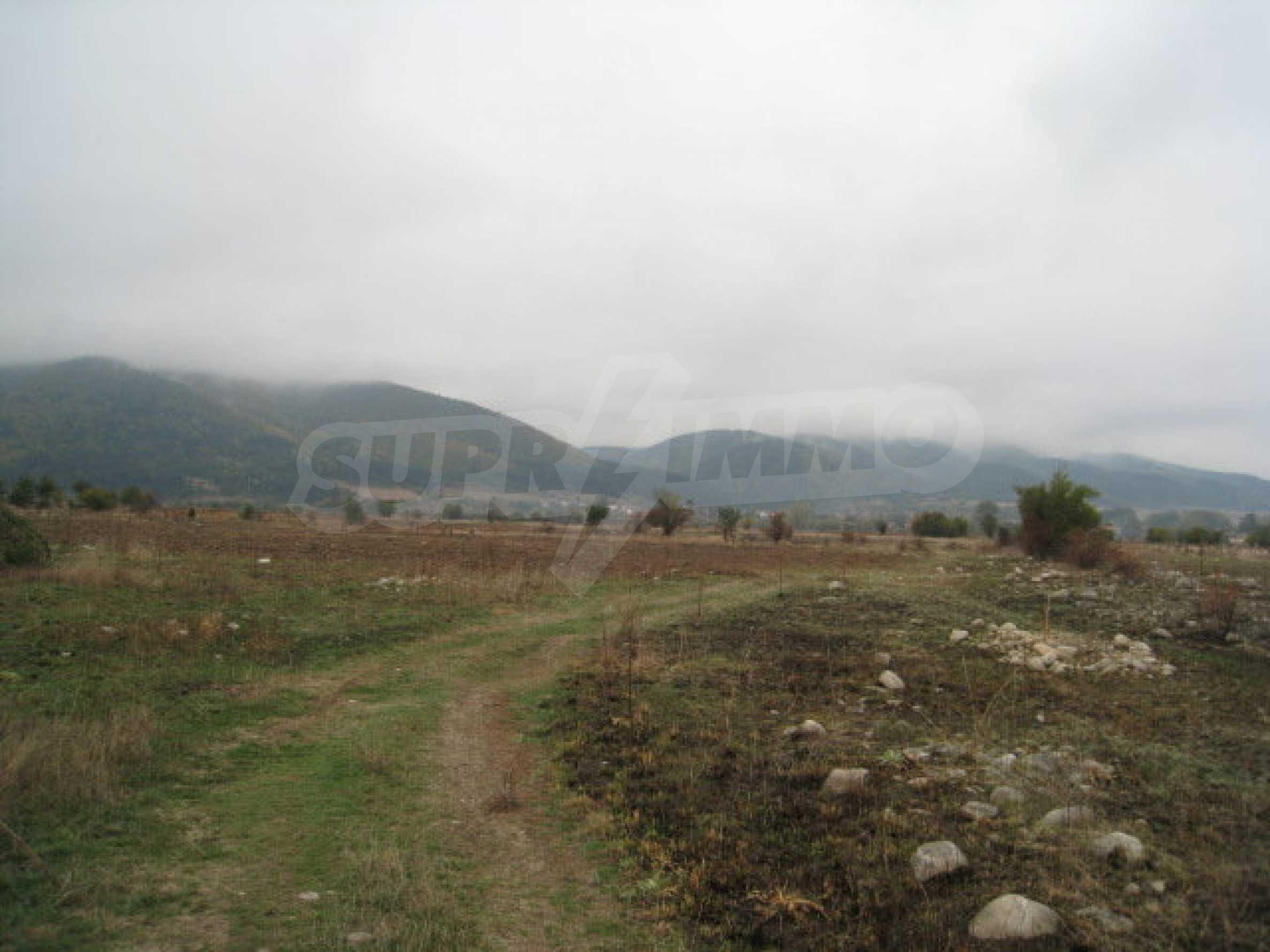 Bauland 14 km von Borovets entfernt