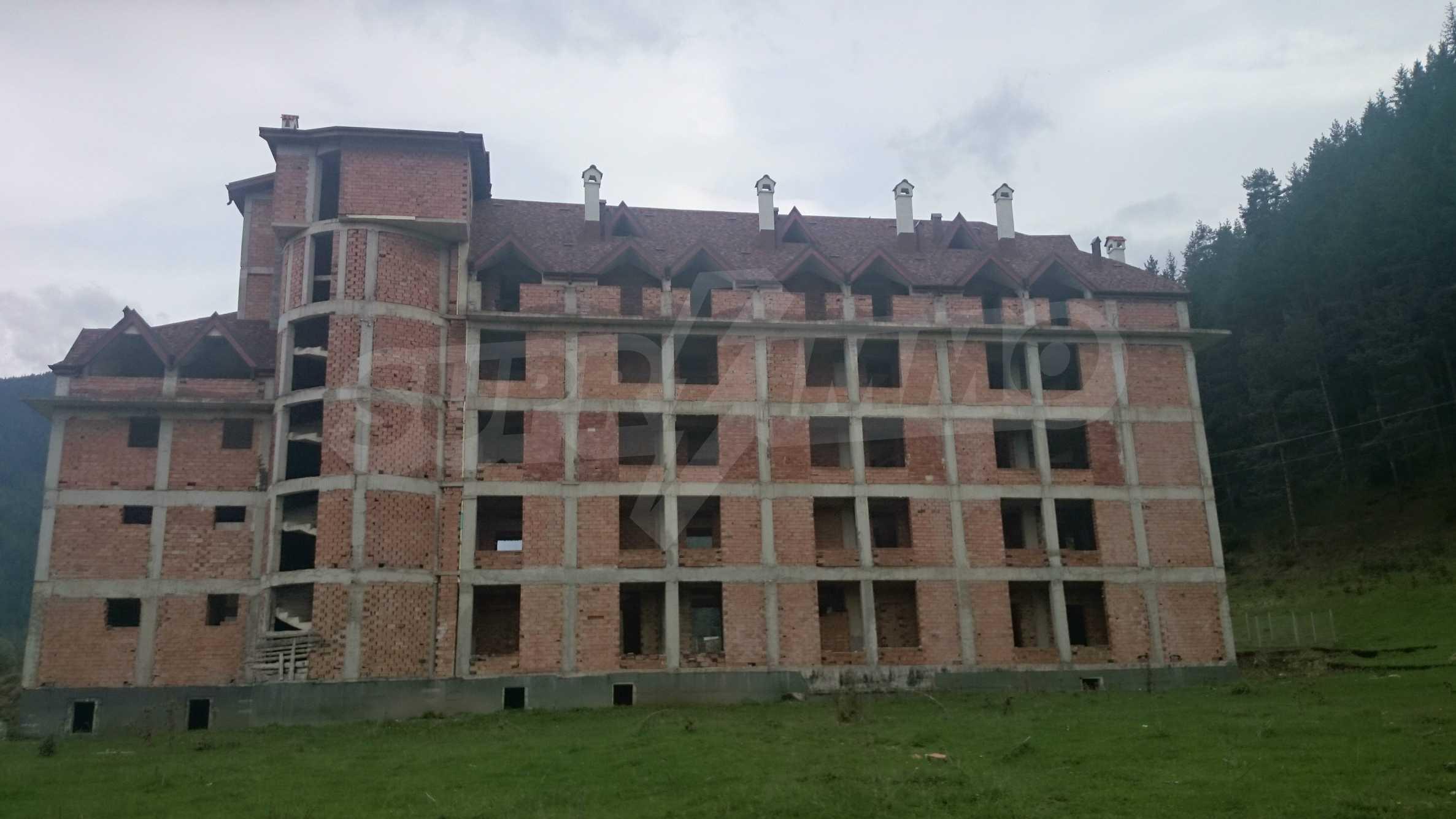 Raues Bauhotel in der Nähe von Borovets 2