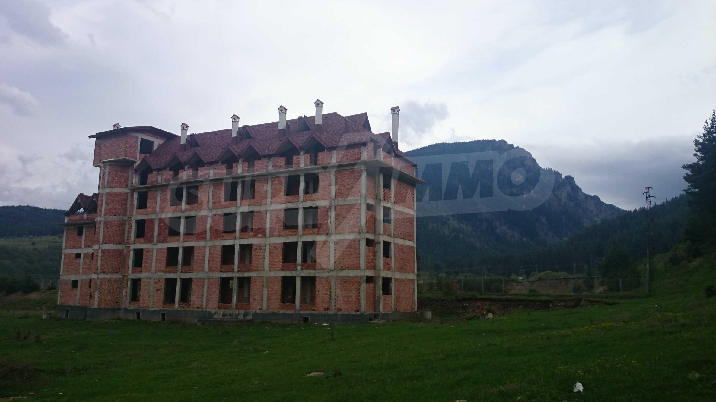 Raues Bauhotel in der Nähe von Borovets 3