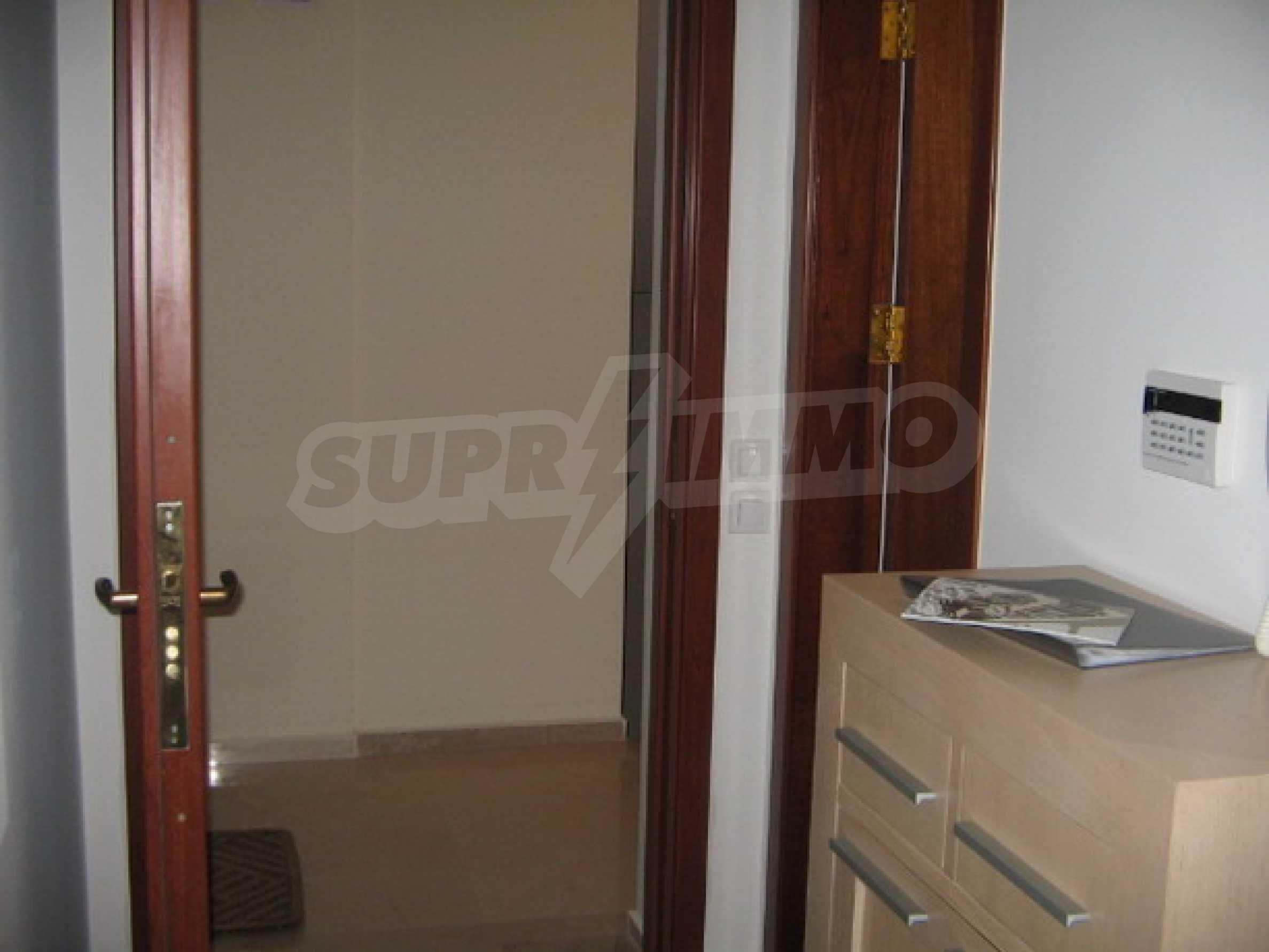 Апартамент Бояна 10 13