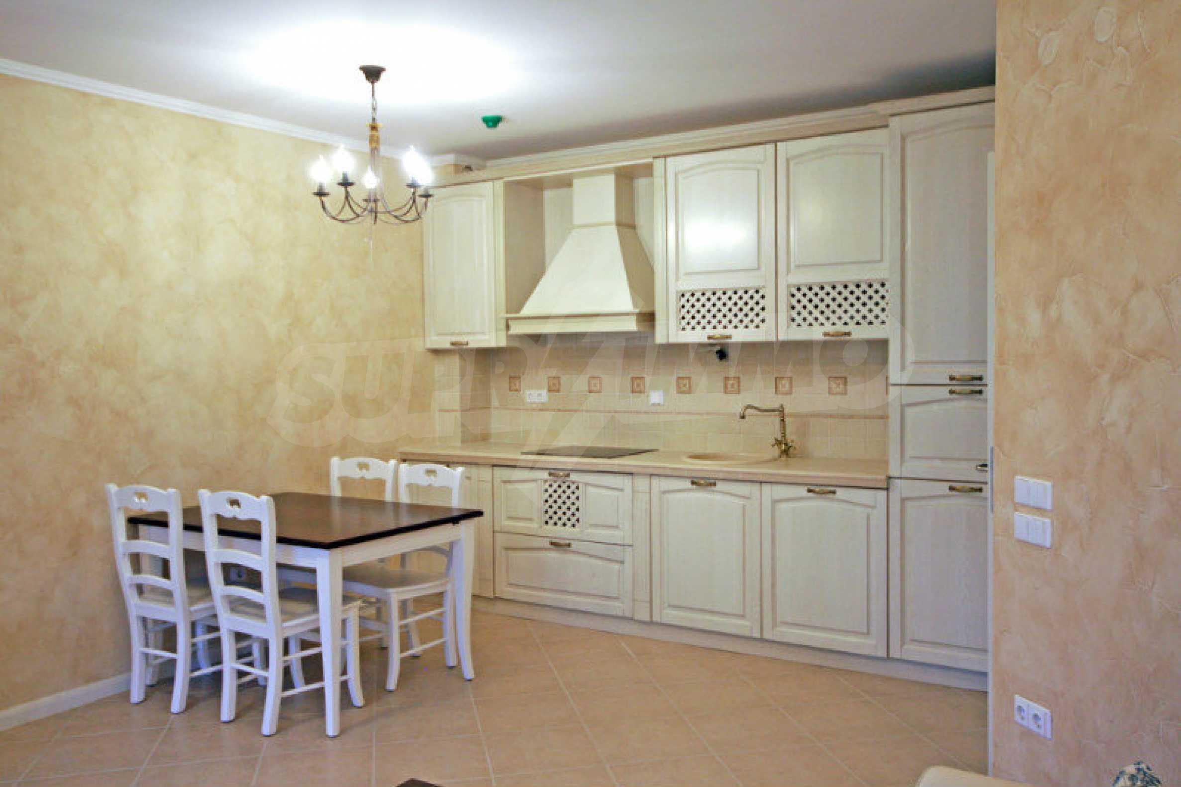Двустаен апартамент в елитен комплекс на морето в Лозенец