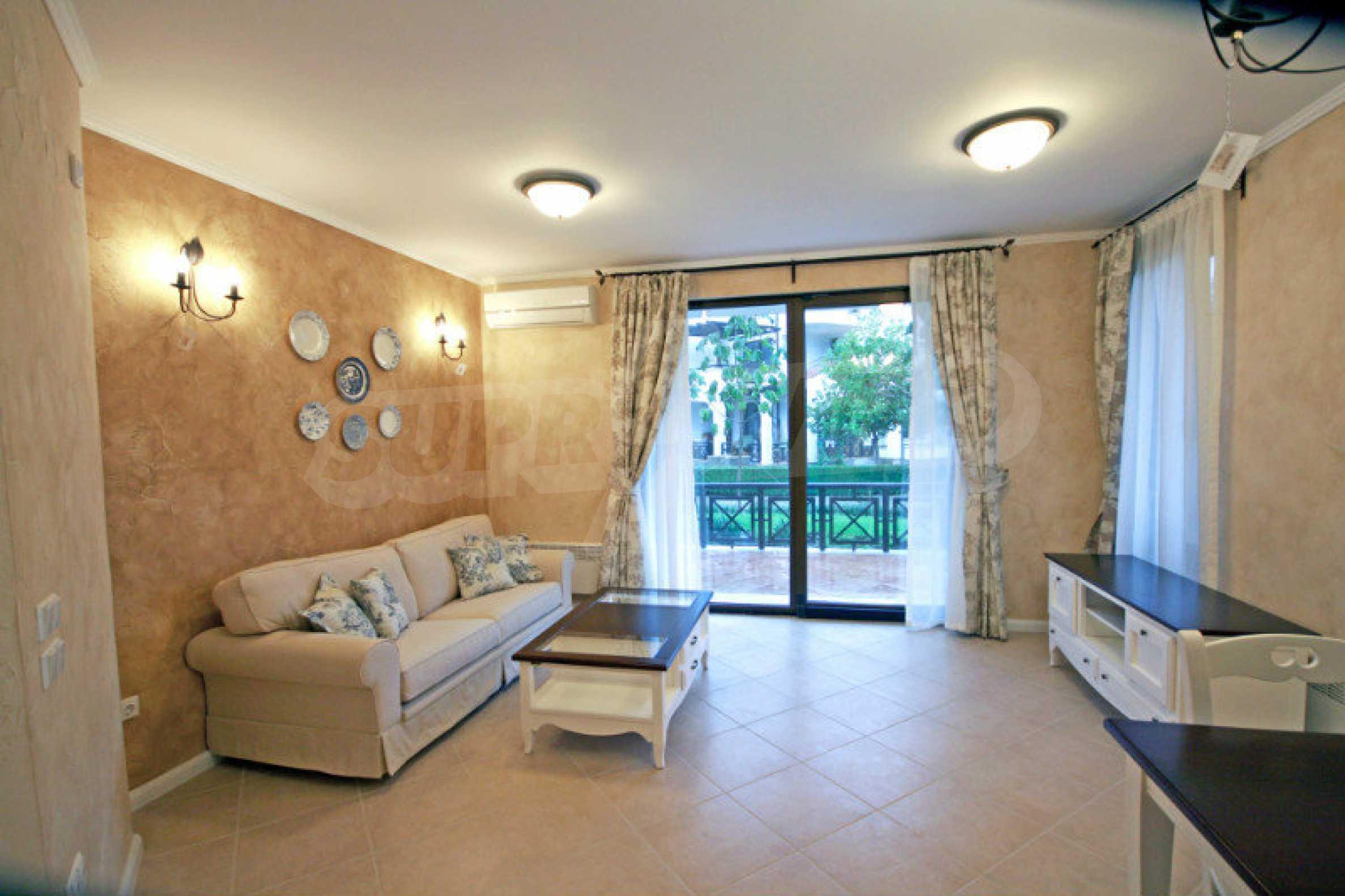 Двустаен апартамент в елитен комплекс на морето в Лозенец 1