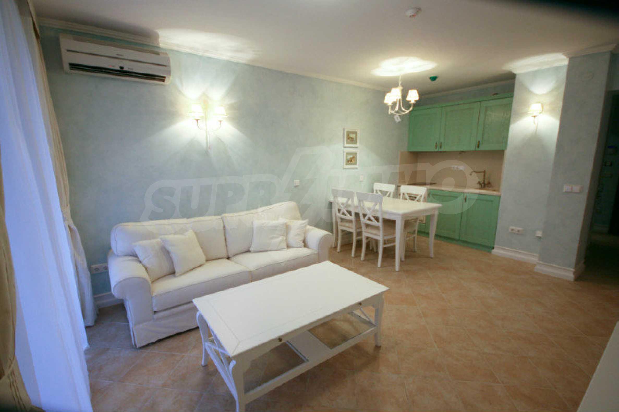 Zwei-Zimmer-Wohnung in einem Komplex in erster Linie in Lozenets 1
