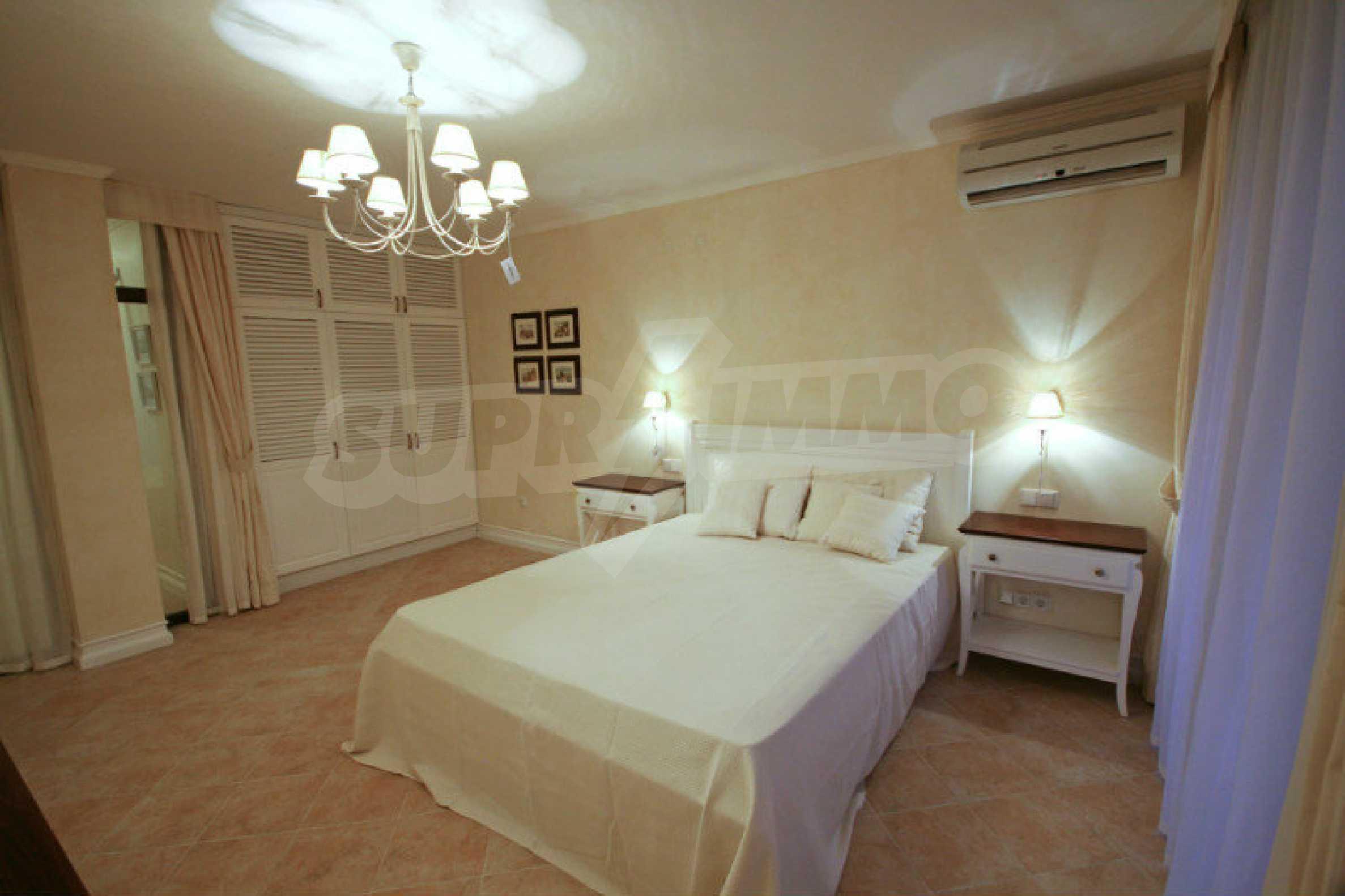 Zwei-Zimmer-Wohnung in einem Komplex in erster Linie in Lozenets 10