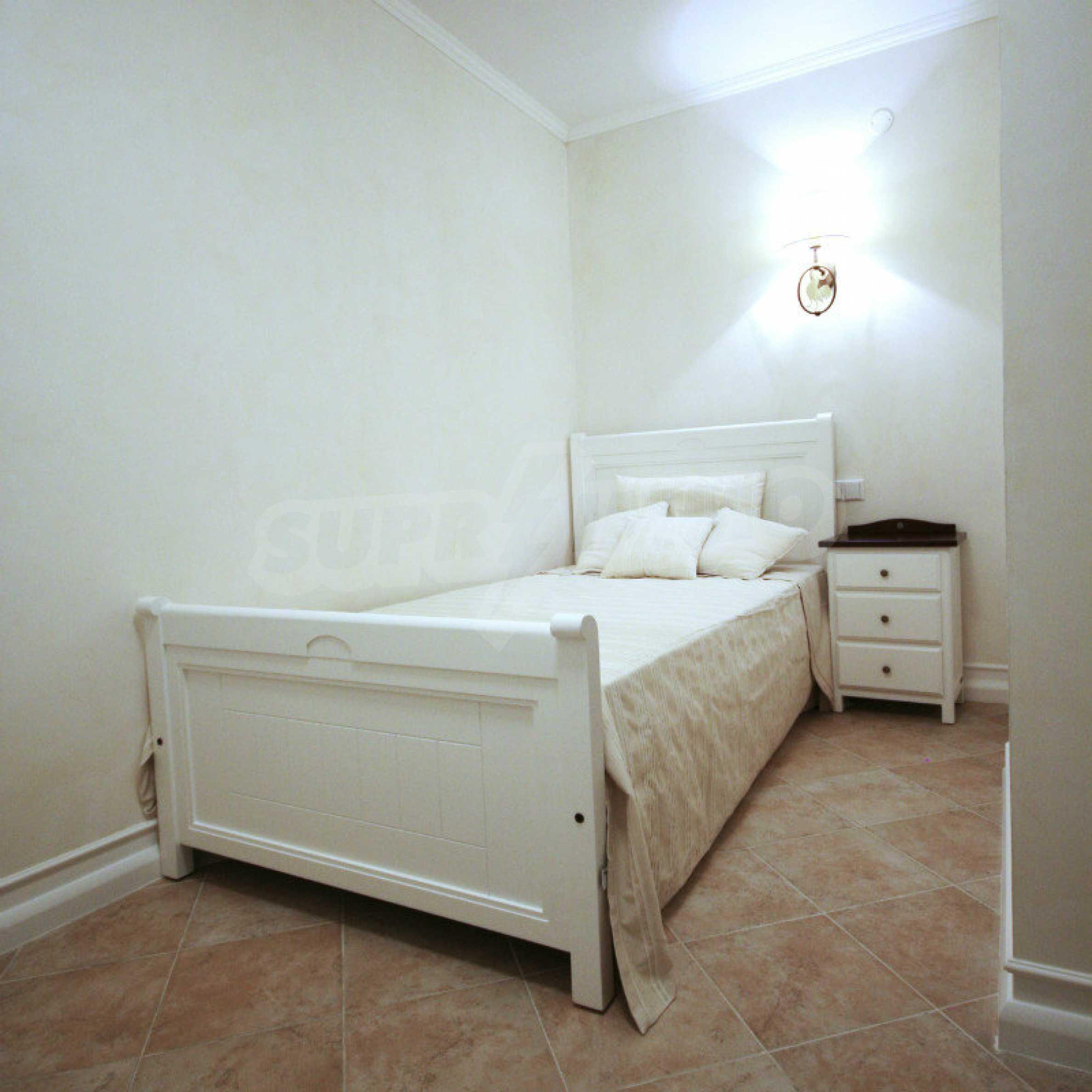 Zwei-Zimmer-Wohnung in einem Komplex in erster Linie in Lozenets 7